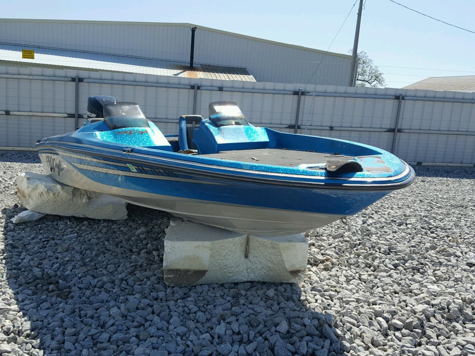 Salvage 1993 Procraft 200 BASS for sale