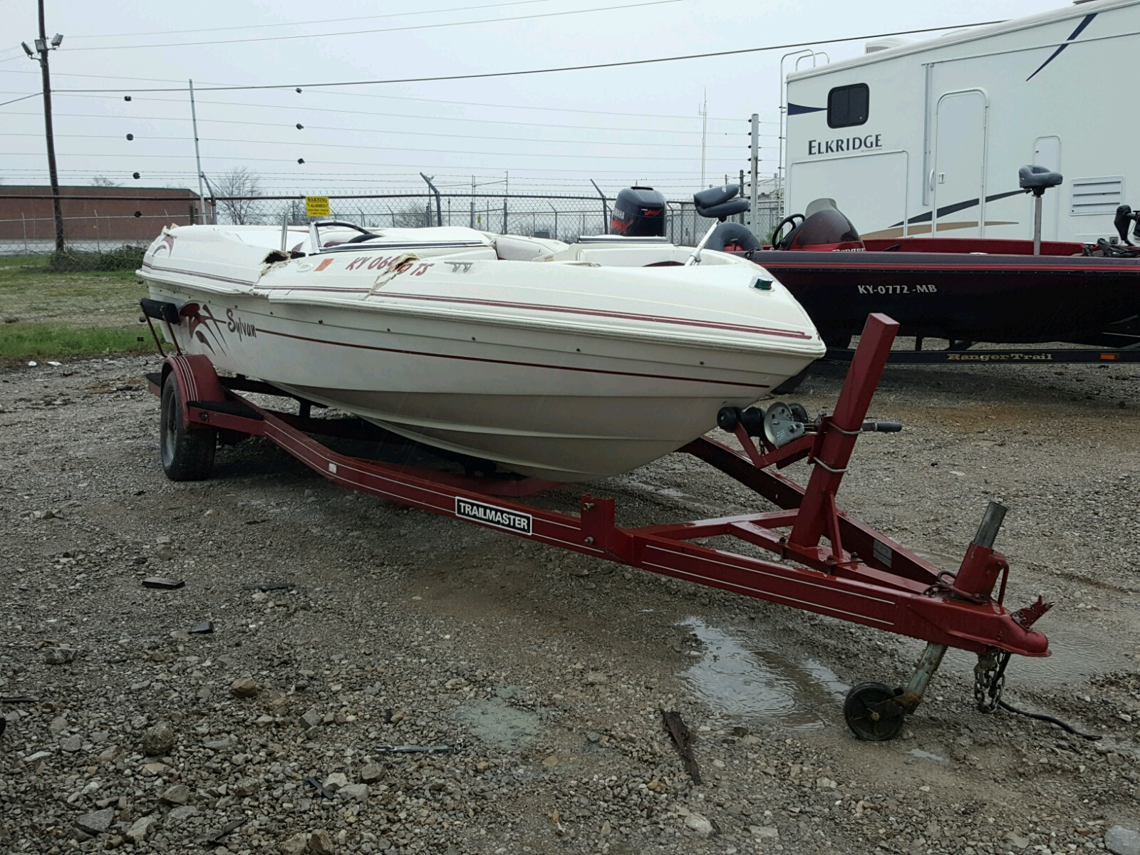 Salvage 1995 Sylvan BOAT for sale