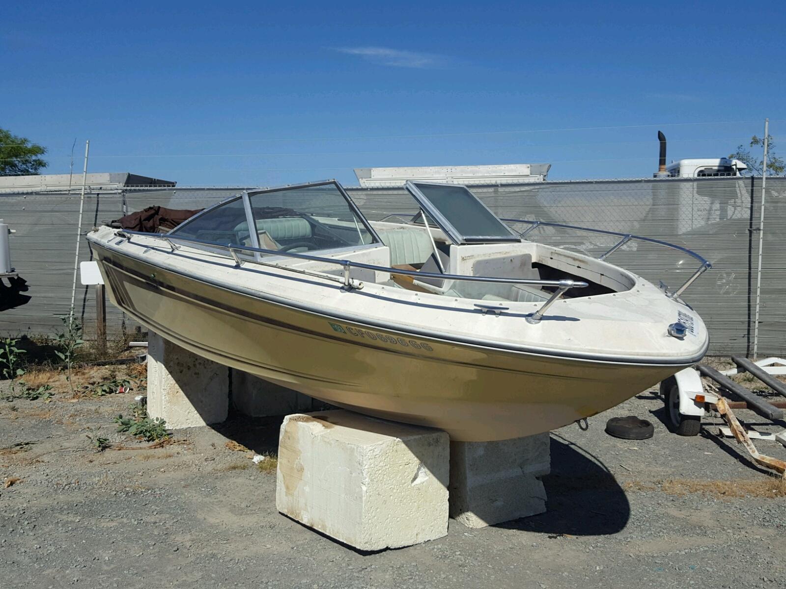 Salvage 1997 Sea Ray MARINE TRAILER for sale
