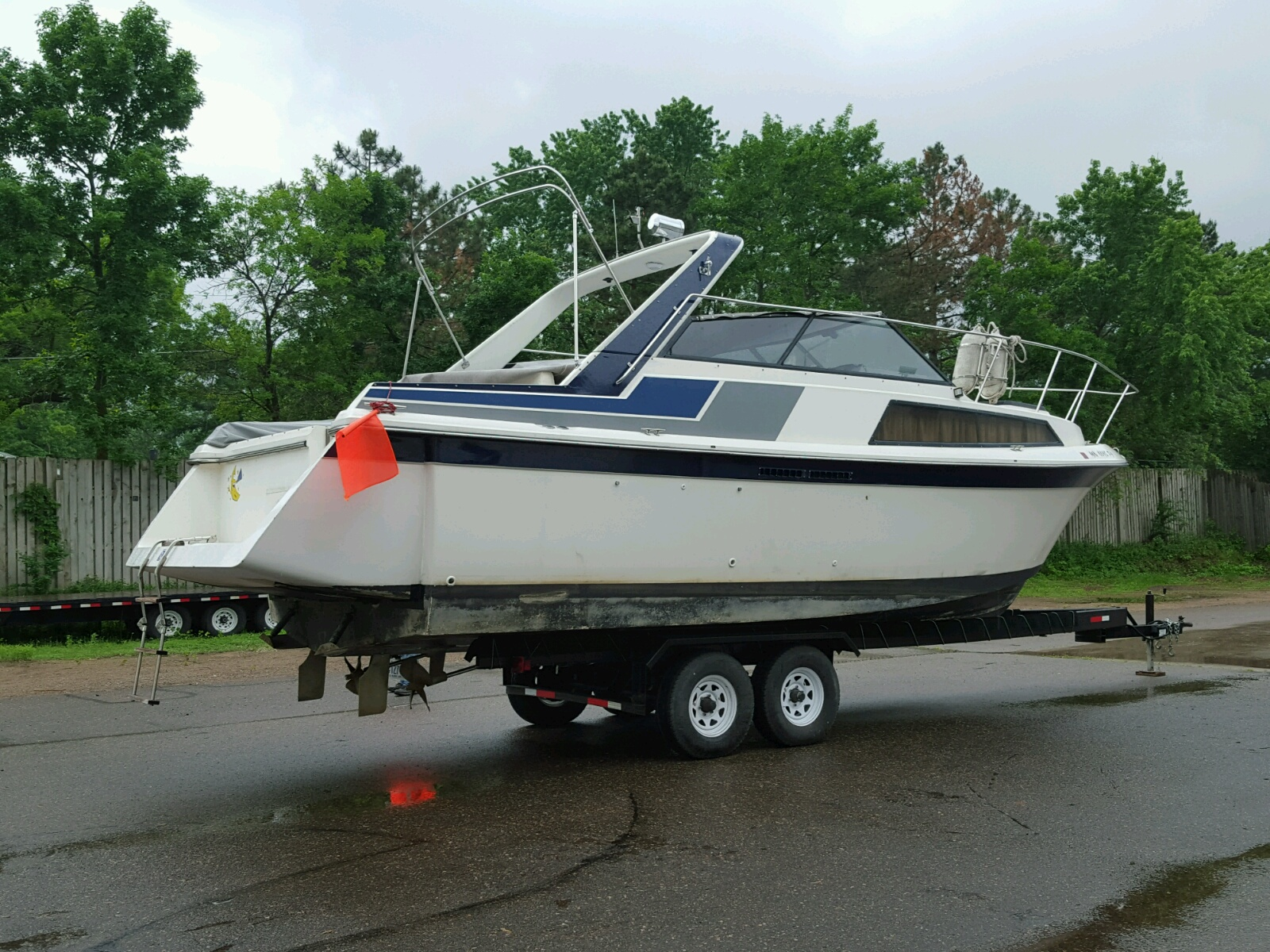 Salvage 1986 Carver MONTEGO for sale