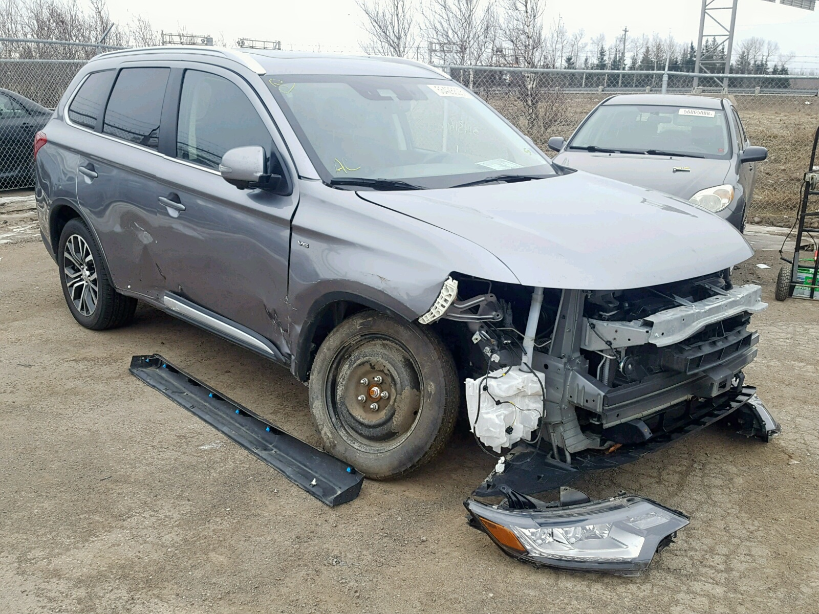 Salvage 2018 Mitsubishi OUTLANDER for sale