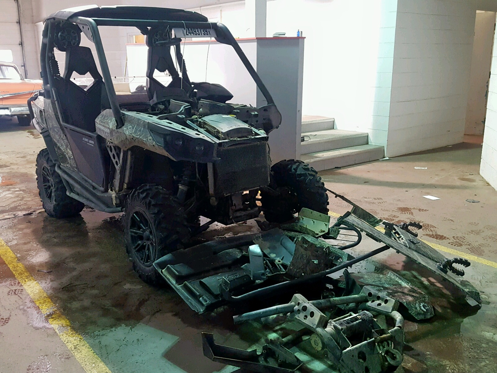 Salvage 2012 Can-Am COMMANDER for sale