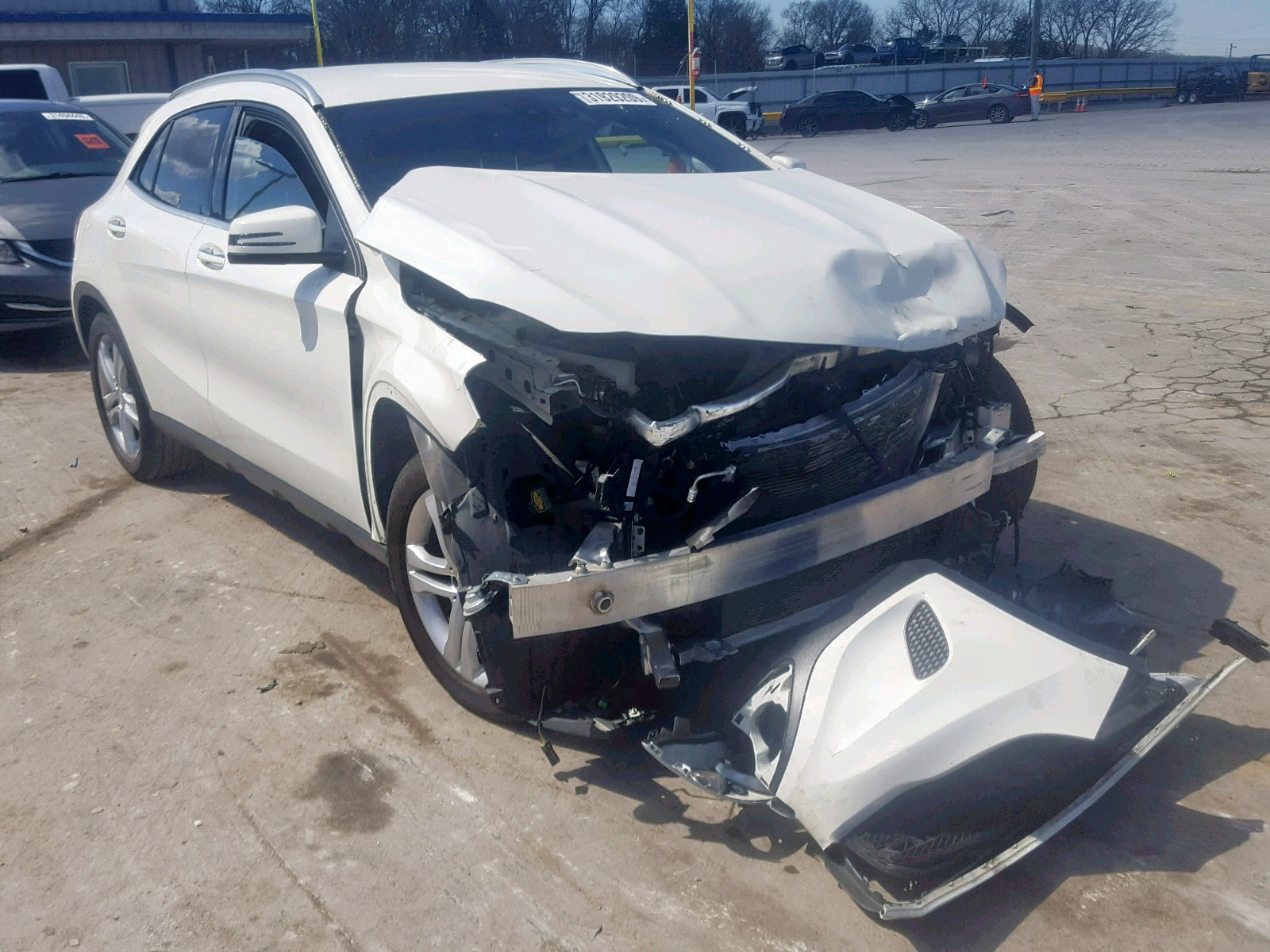 Salvage 2016 Mercedes-Benz GLA 250 for sale