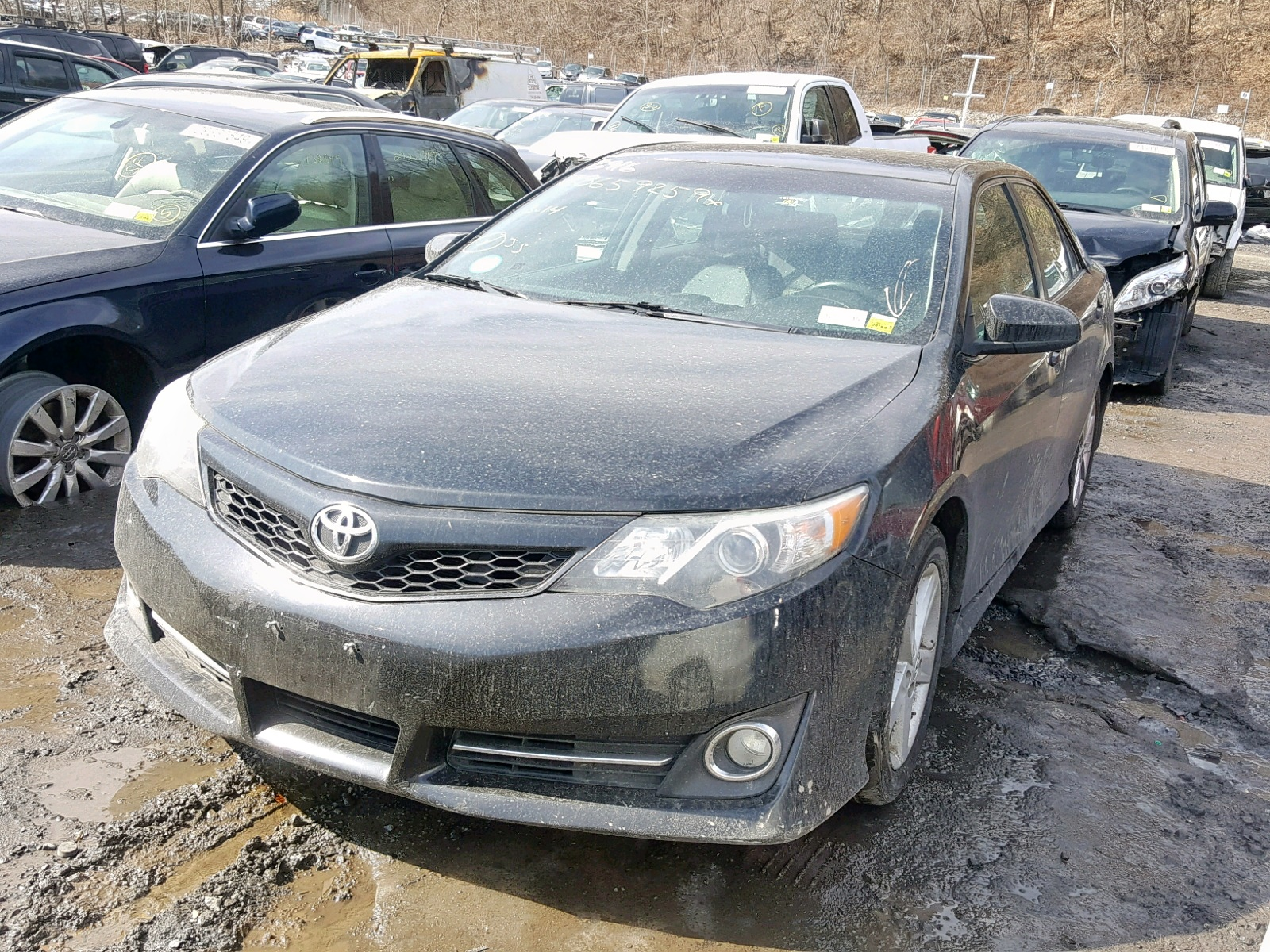 2013 Toyota Camry L 2.5L Right View