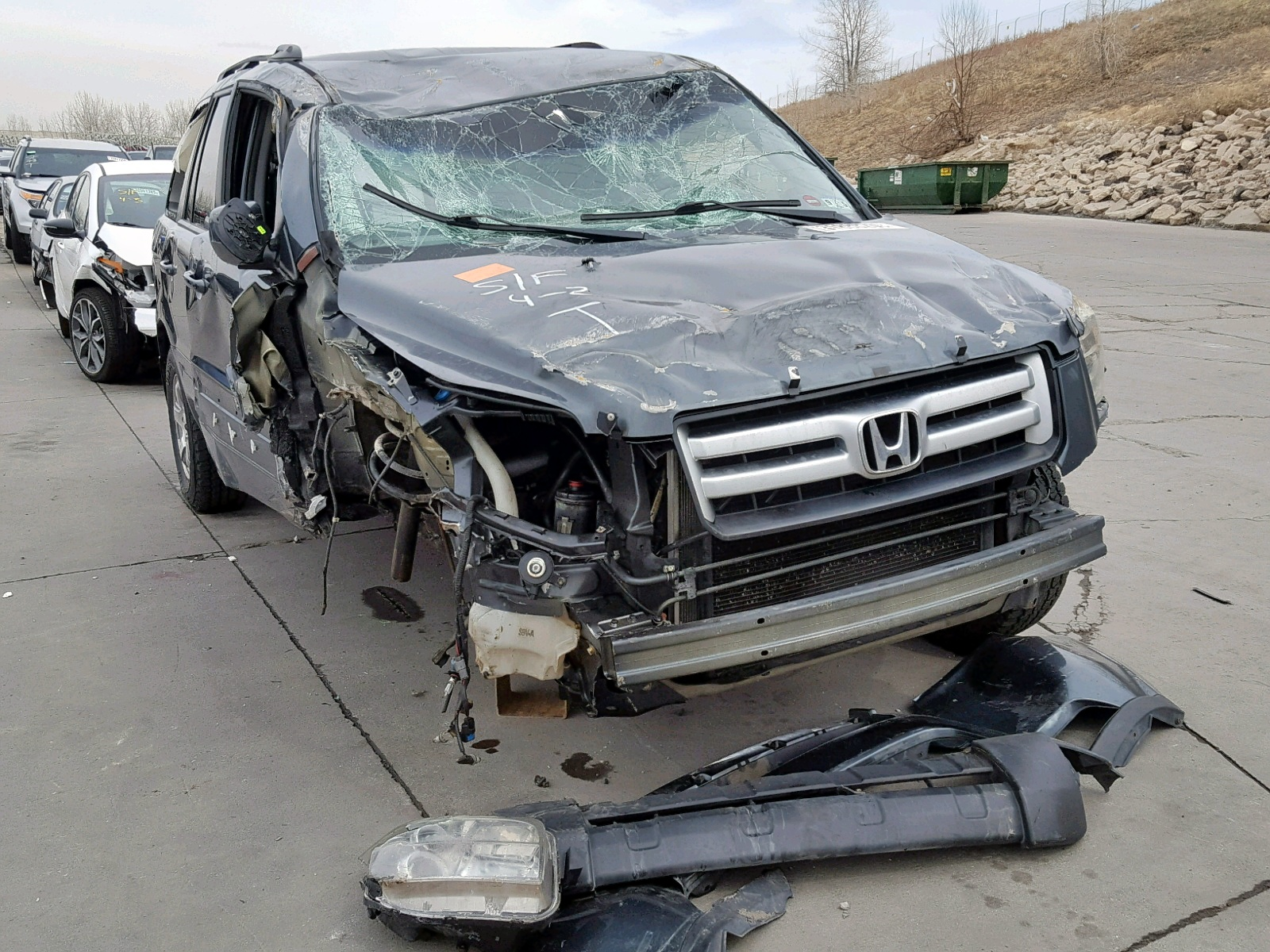 Salvage 2006 Honda PILOT EX for sale
