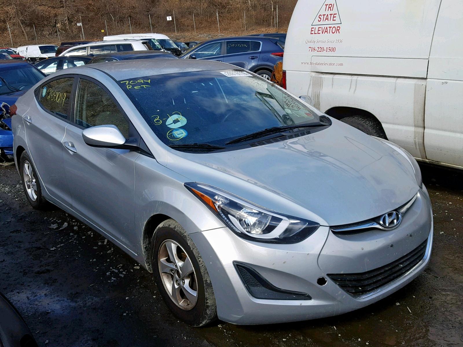 2015 Hyundai Elantra Se 1.8L Left View