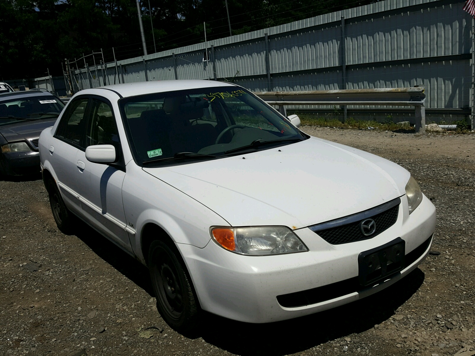 Jm1bj225220515286 2002 White Mazda Protege Dx On Sale In Ma 5 Wagon 20l Left View