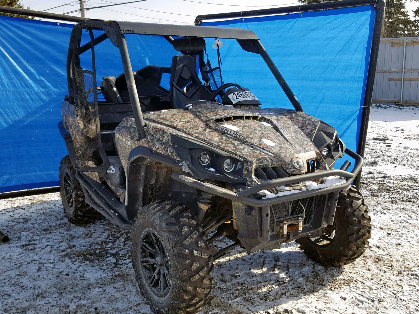 Salvage 2013 Can-Am COMMANDER for sale
