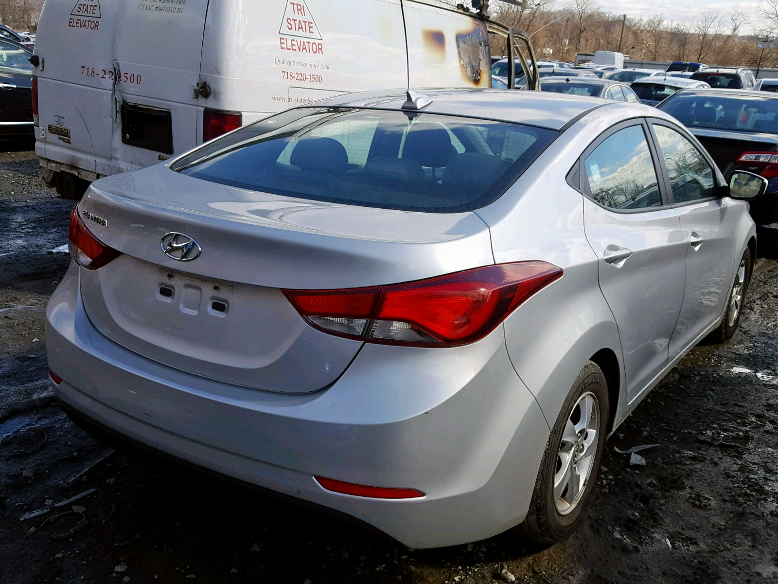 2015 Hyundai Elantra Se 1.8L rear view