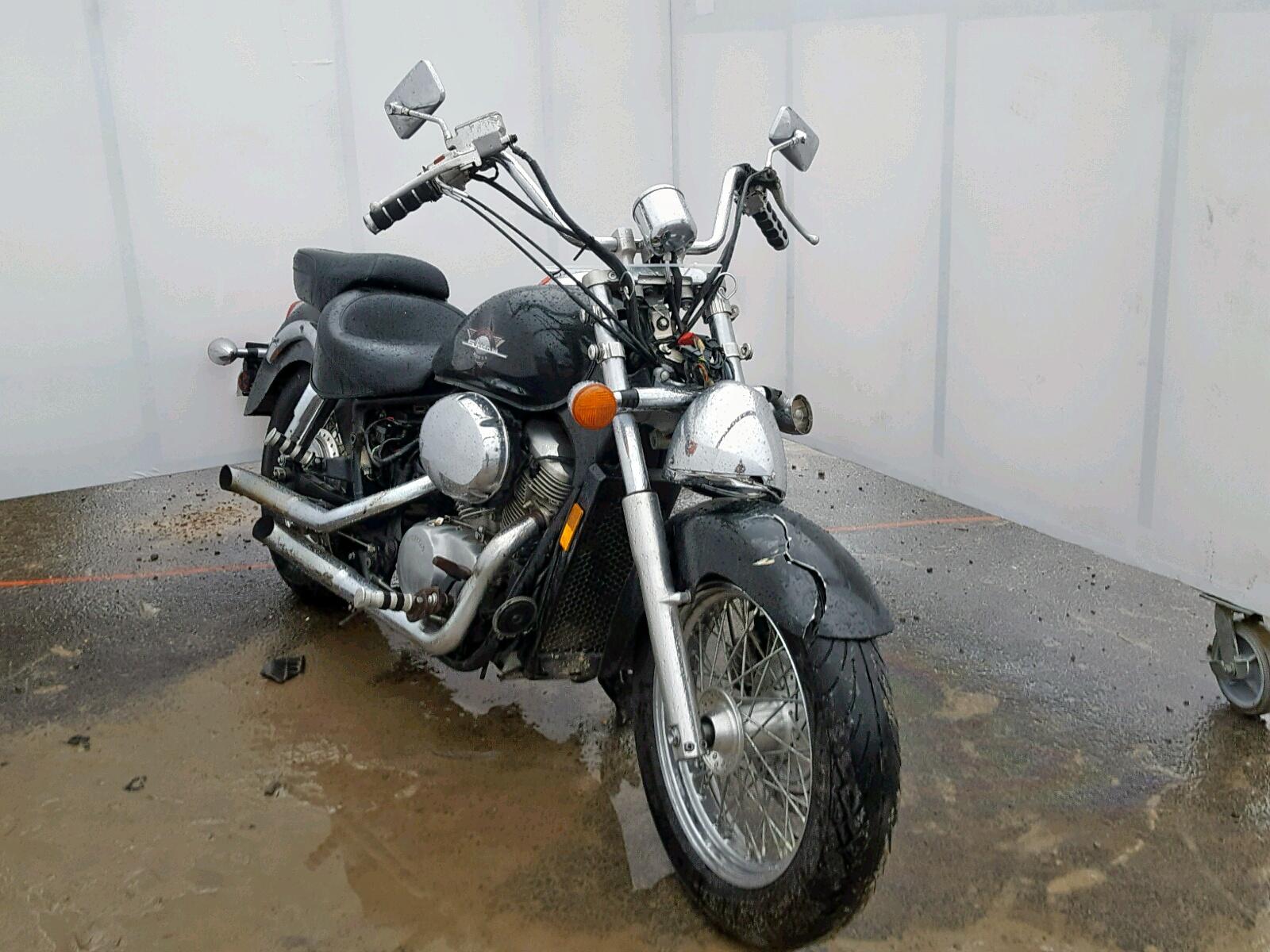 Salvage 2000 Honda VT750 C for sale