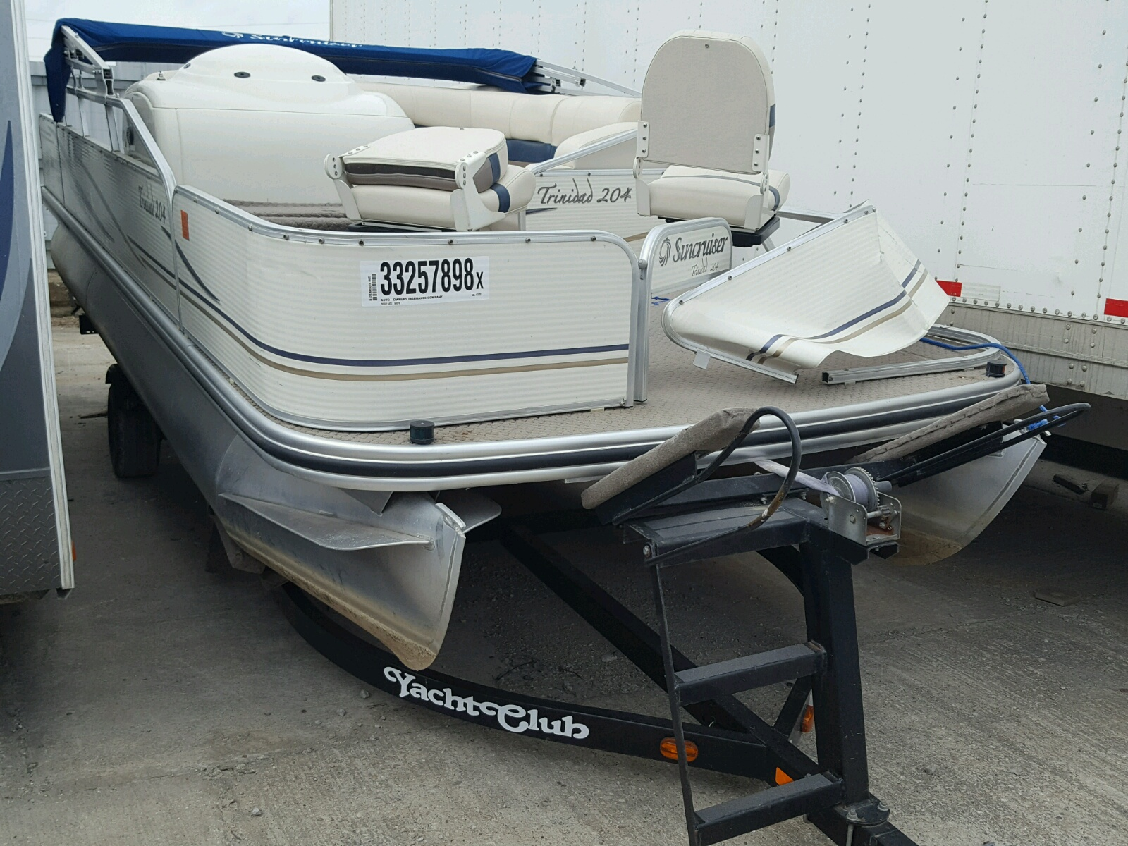 Salvage 2006 Lowe MARINE TRAILER for sale