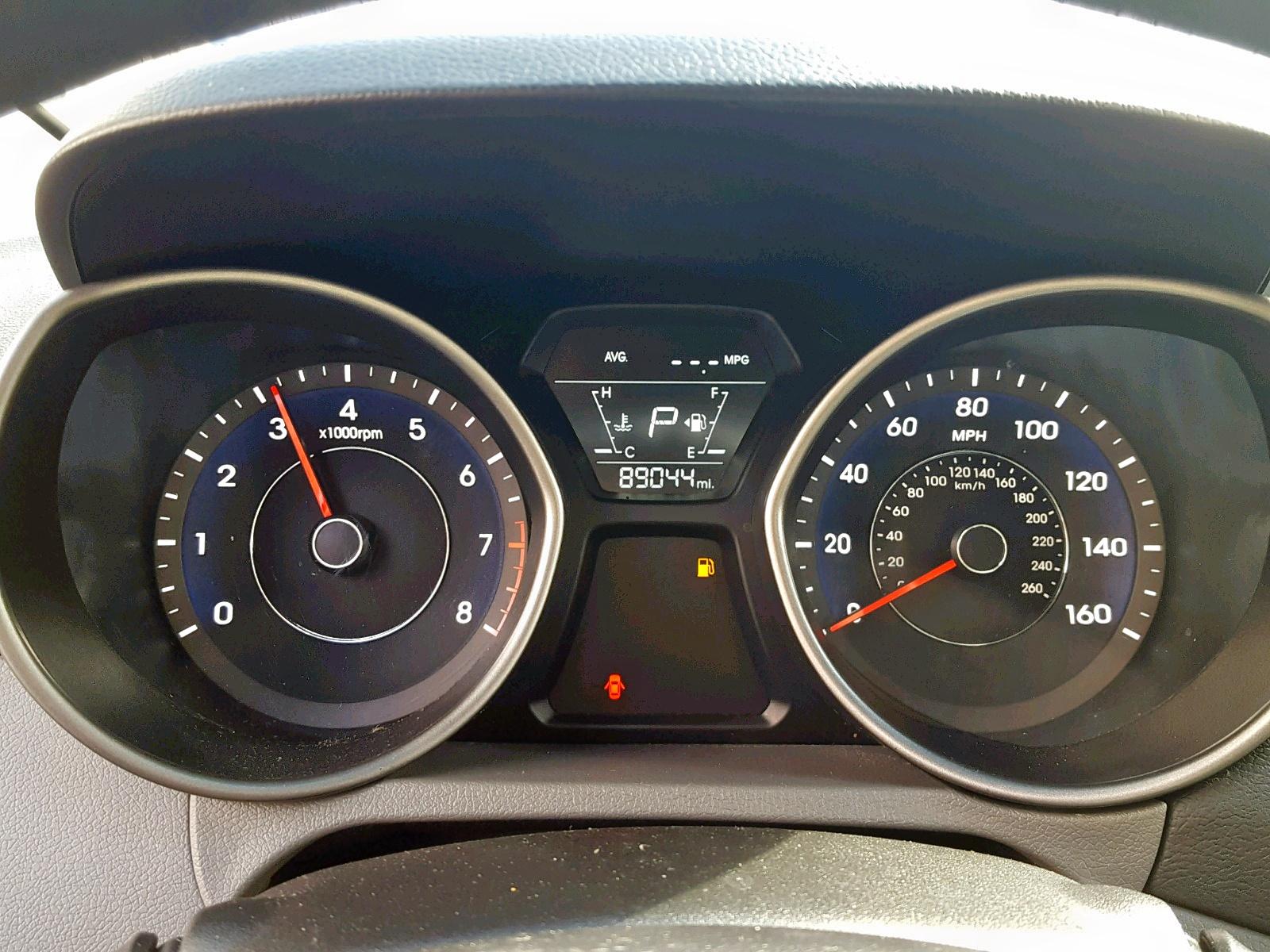 2015 Hyundai Elantra Se 1.8L front view