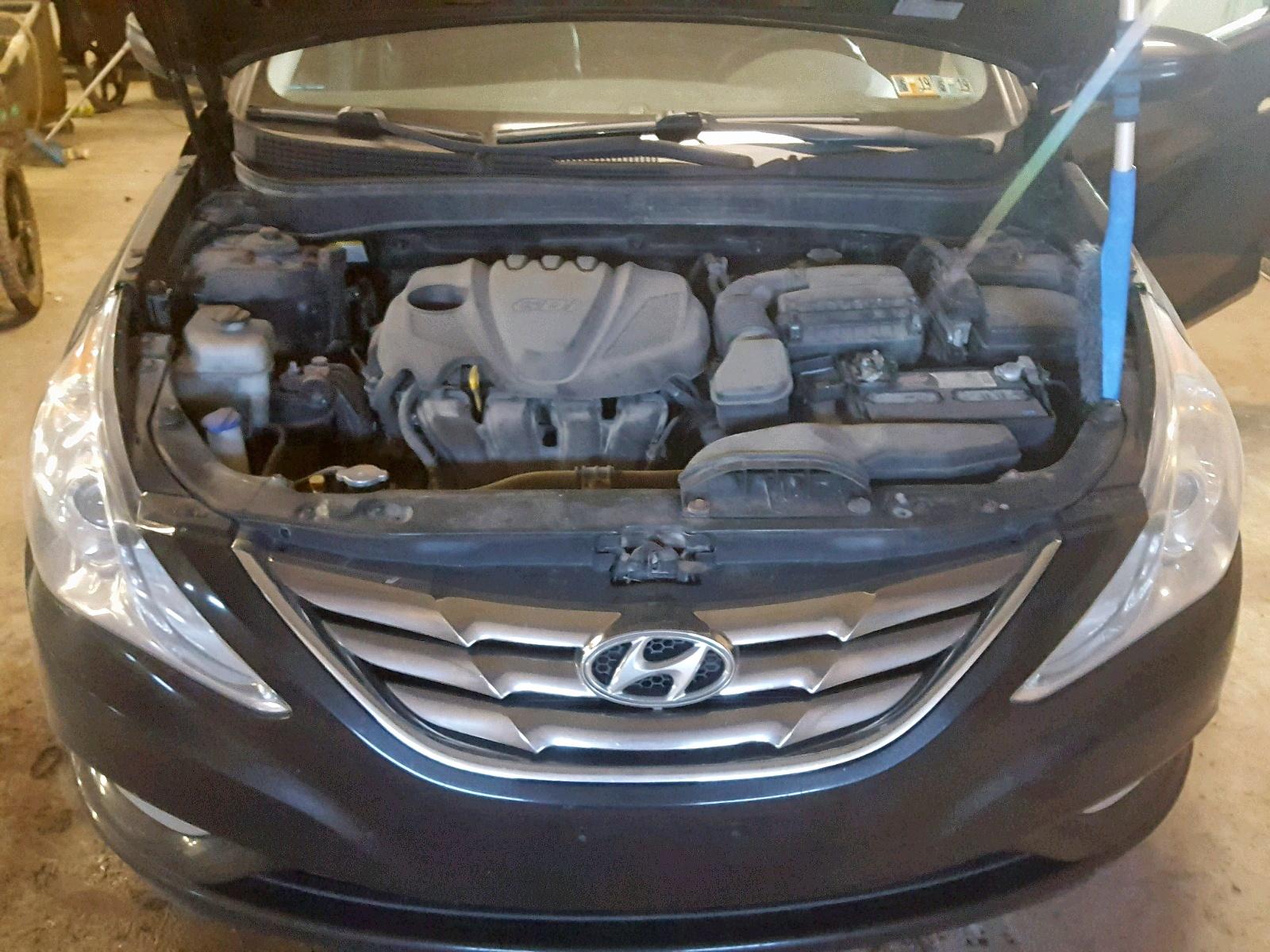 2011 Hyundai Sonata Se 2.4L inside view