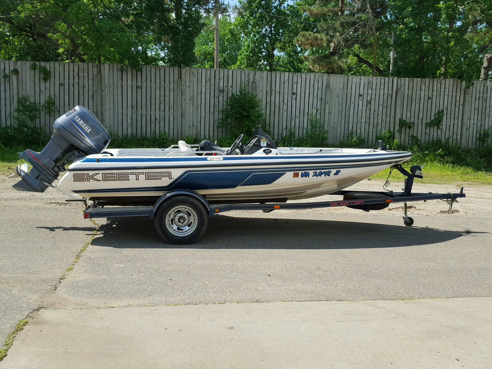 Salvage 2003 Skeeter SX 17 for sale