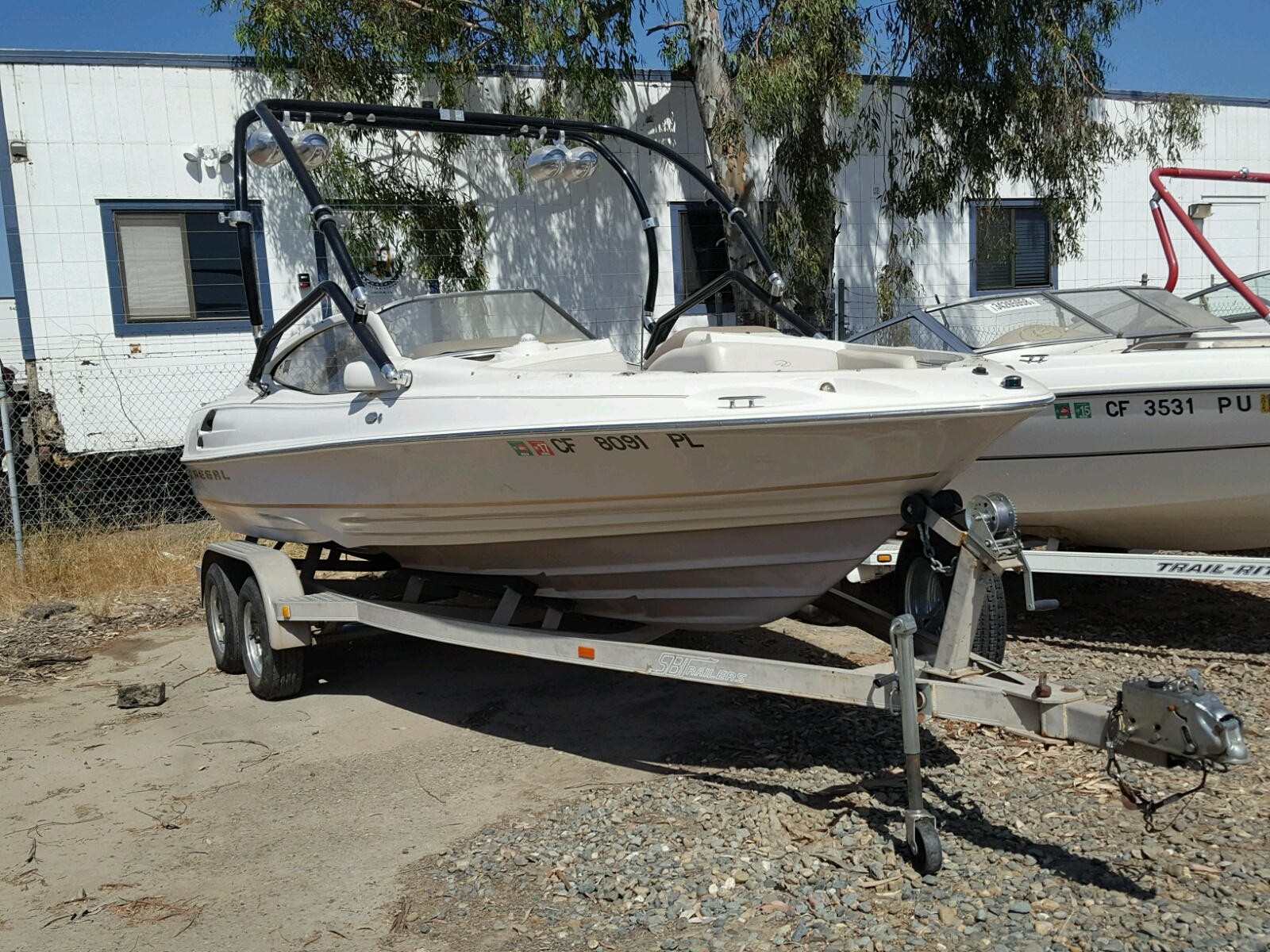 Salvage 2000 Regal 2150 LSC for sale