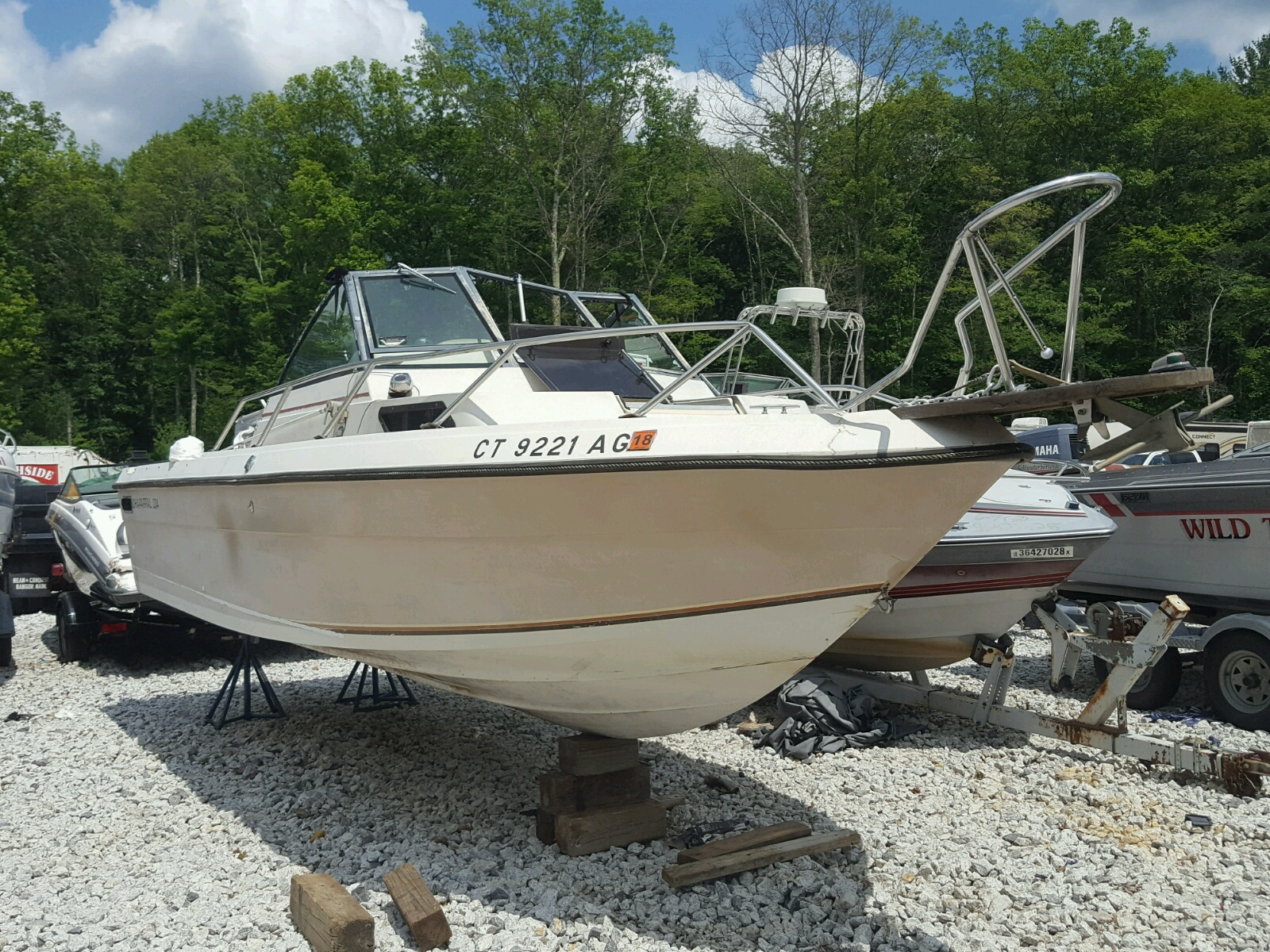 Salvage 1986 Chapparal BOAT for sale