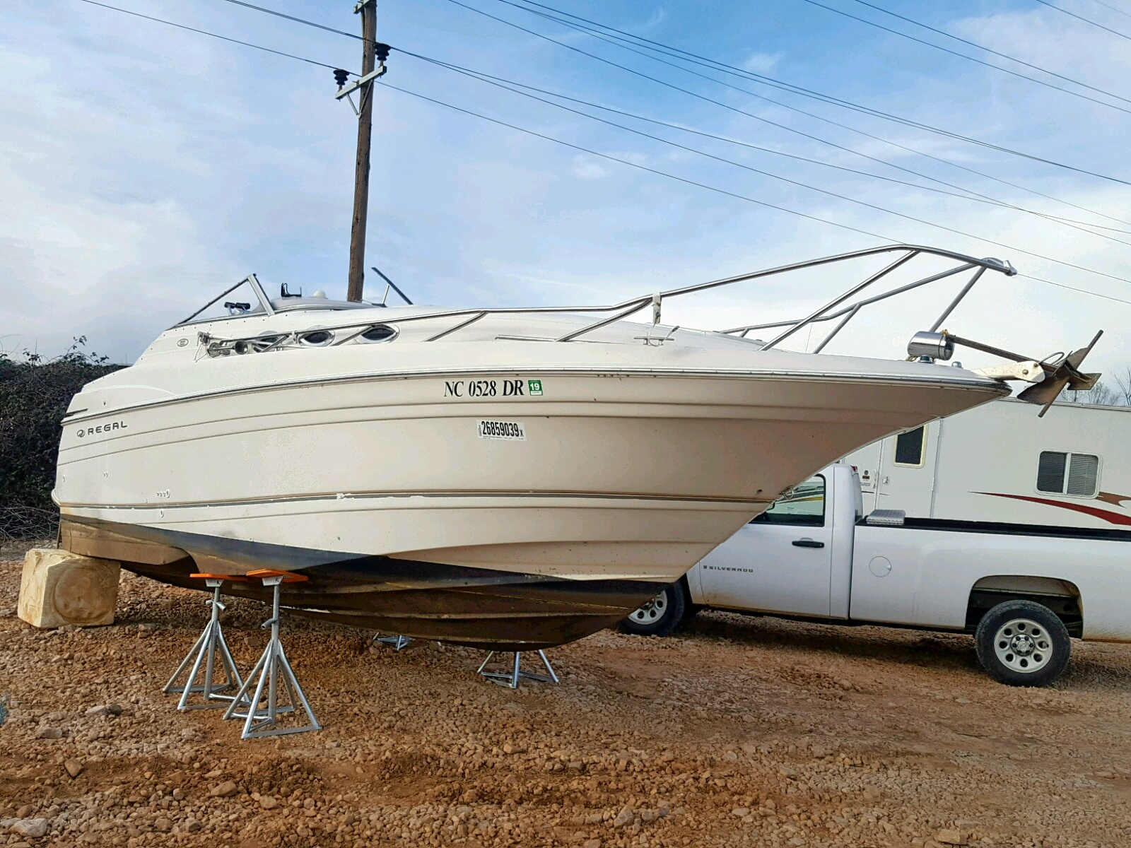 Salvage 2001 Regal CRUISER for sale