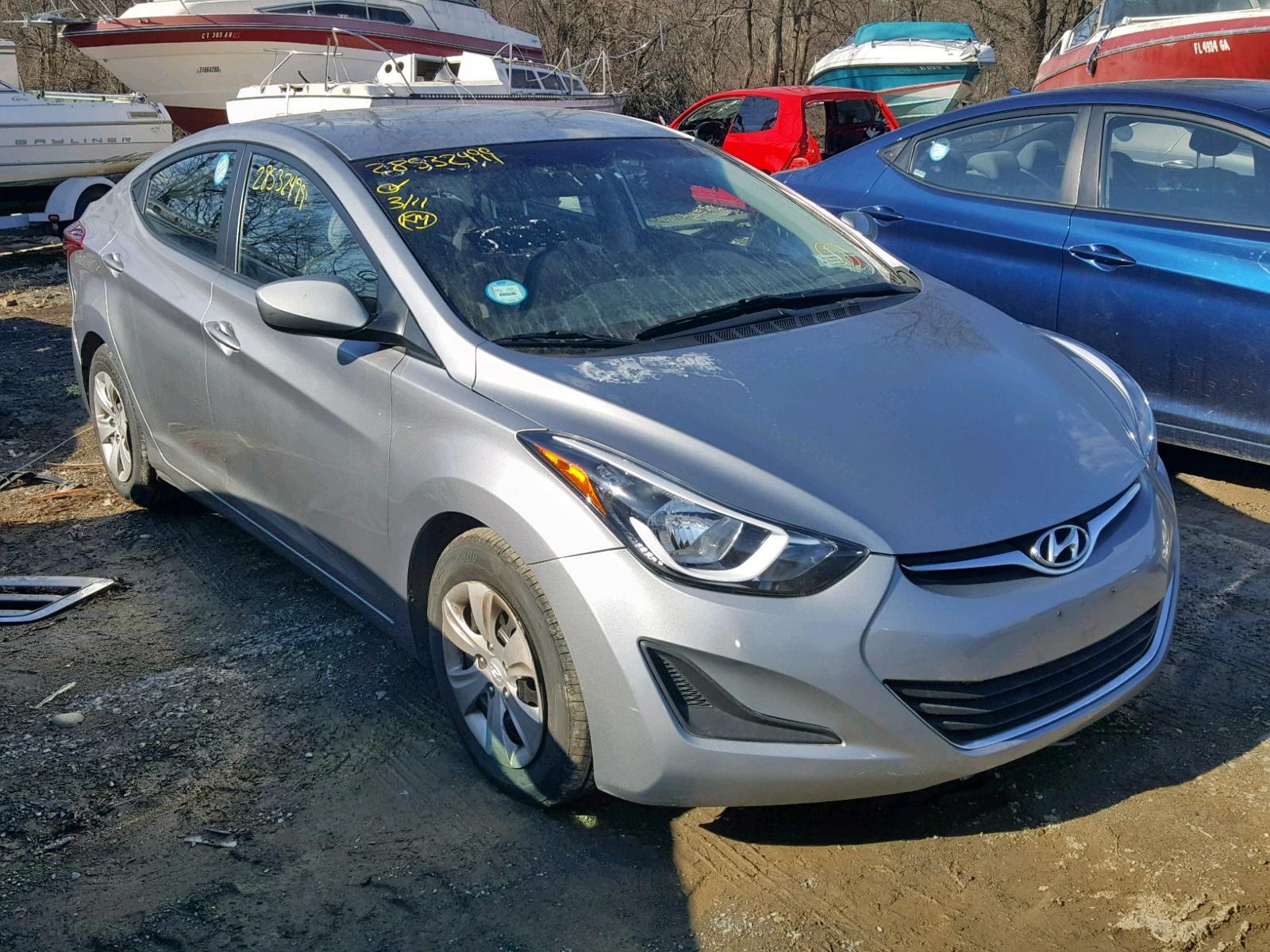 2016 Hyundai Elantra Se 1.8L Left View