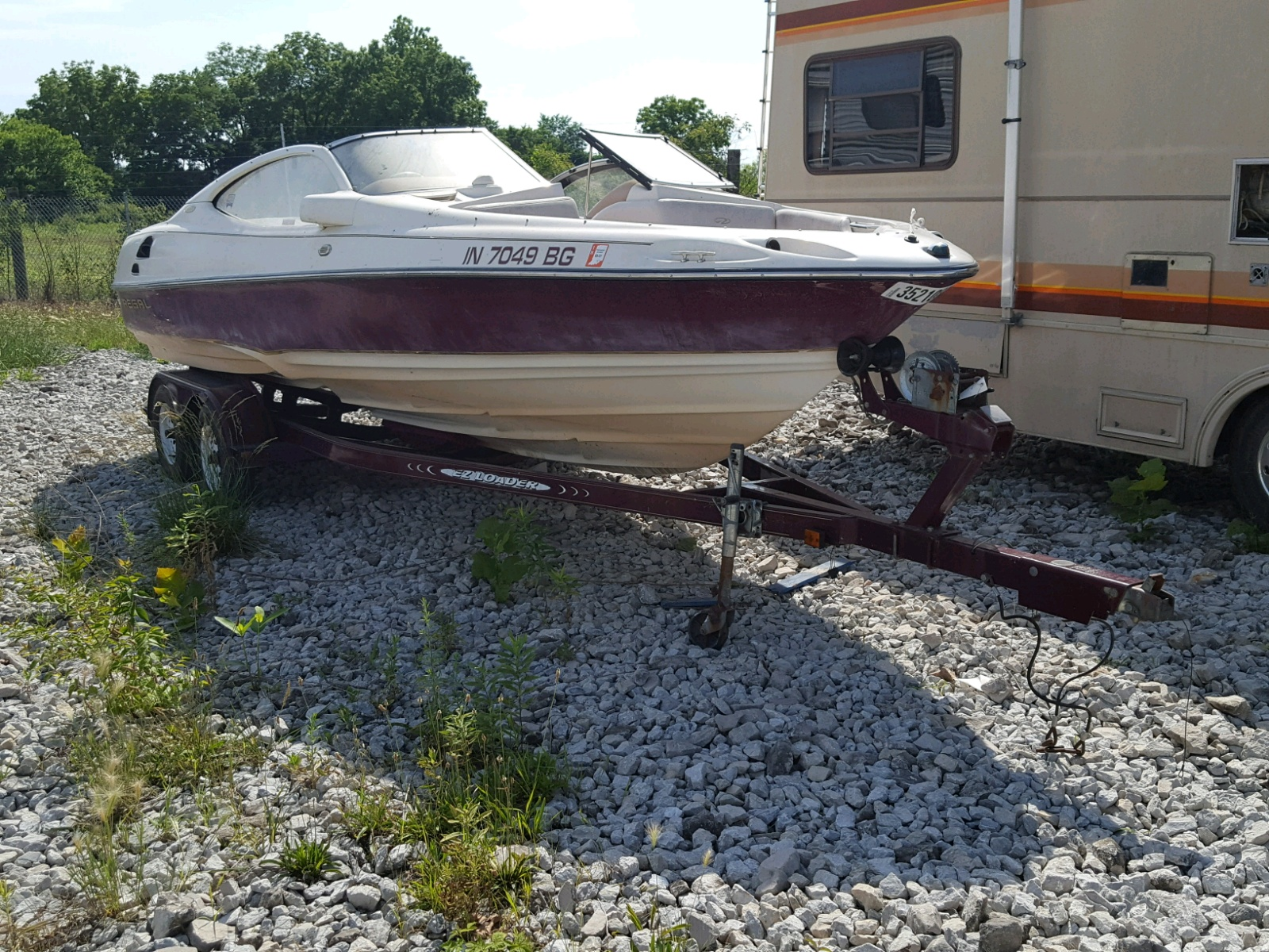 Salvage 1997 Regal BOAT for sale