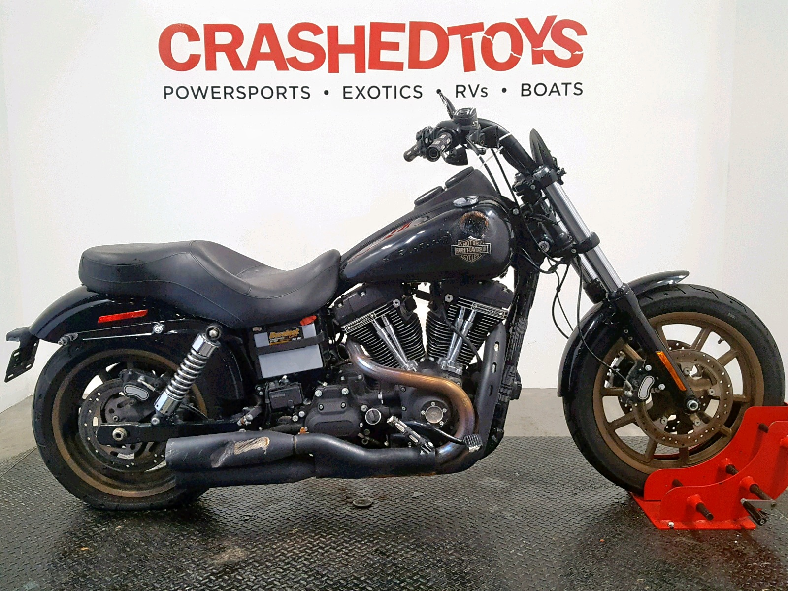 click here to view 2017 HARLEY-DAVIDSON FXDLS at IBIDSAFELY