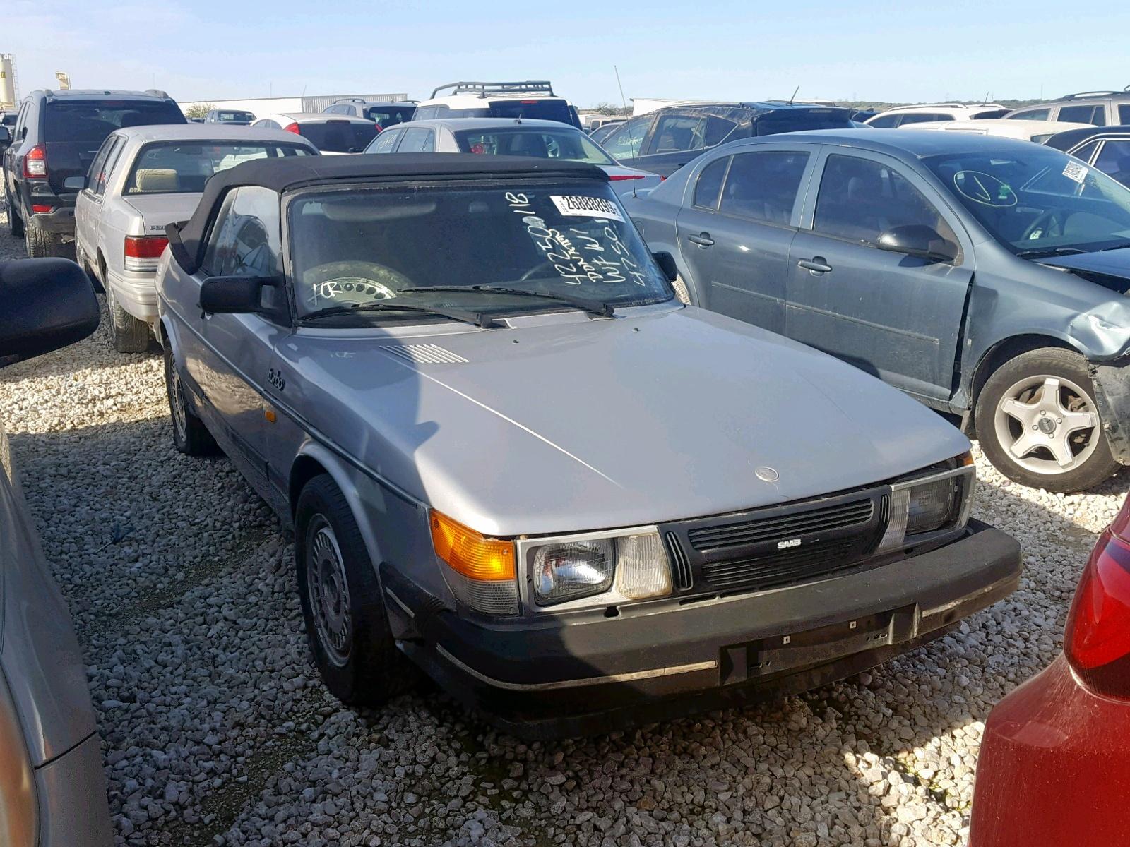 YS3AD75L7G7025556 - 1986 Saab 900 2.0L Left View