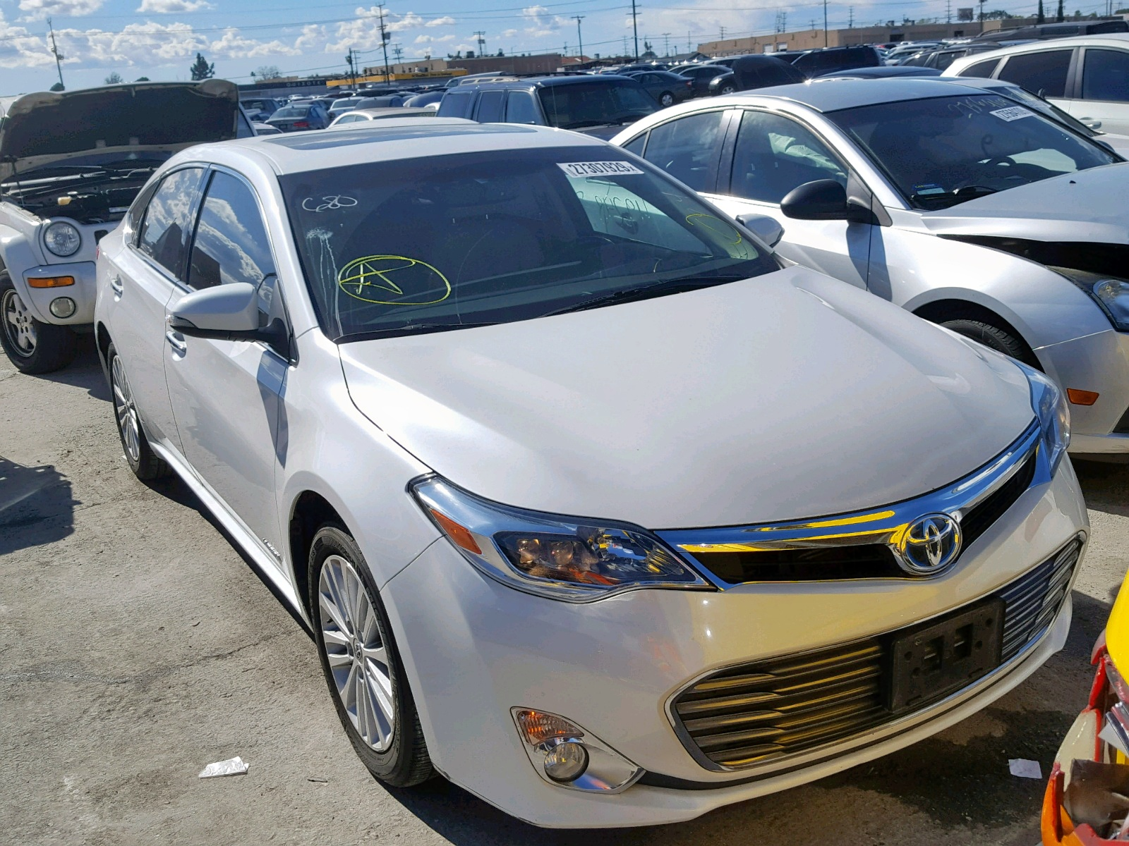 Salvage 2014 Toyota AVALON HYBRID for sale