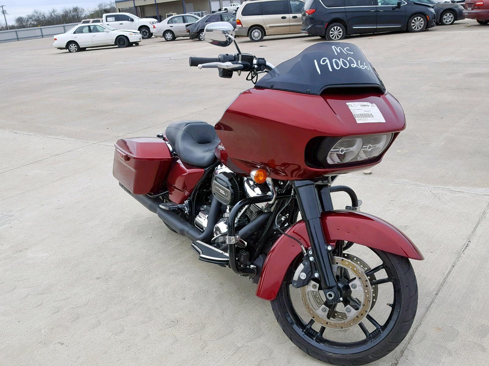Salvage 2017 Harley-Davidson FLTRX ROAD for sale