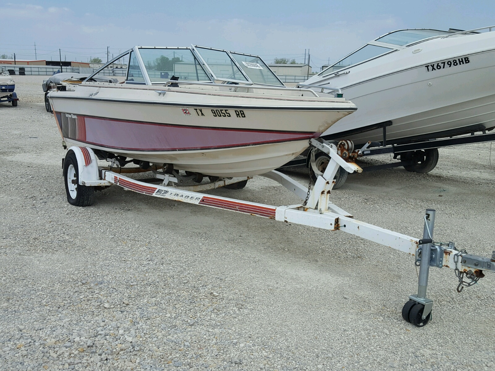 Salvage 1998 Arrow MARINE TRAILER for sale
