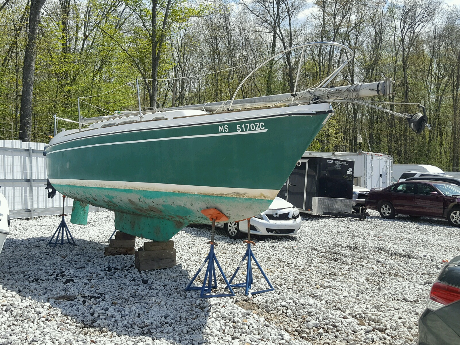 Salvage 1976 Sail BOAT for sale