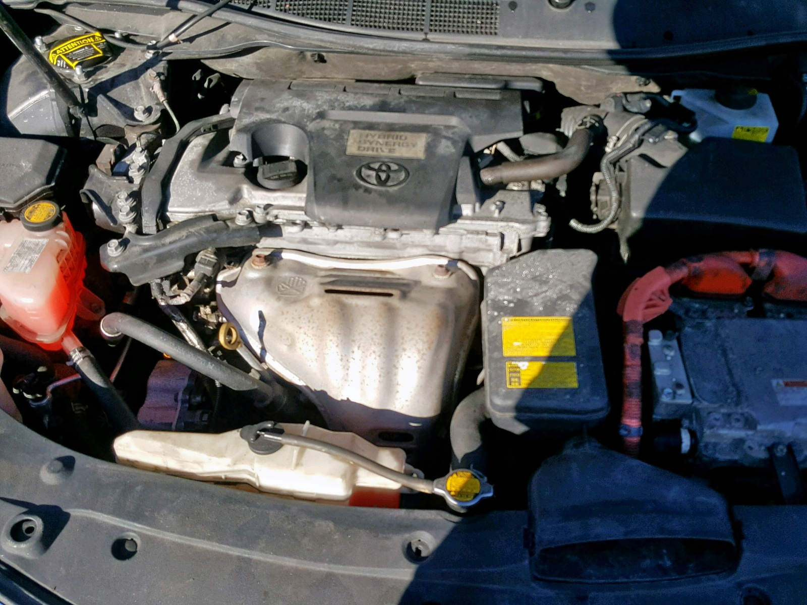 2014 Toyota Camry Hybr 2.5L inside view