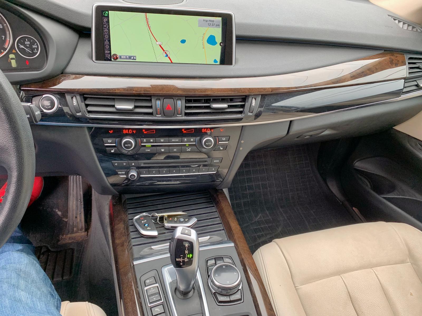 5UXKR0C58E0H25201 - 2014 Bmw X5 Xdrive3 3.0L engine view