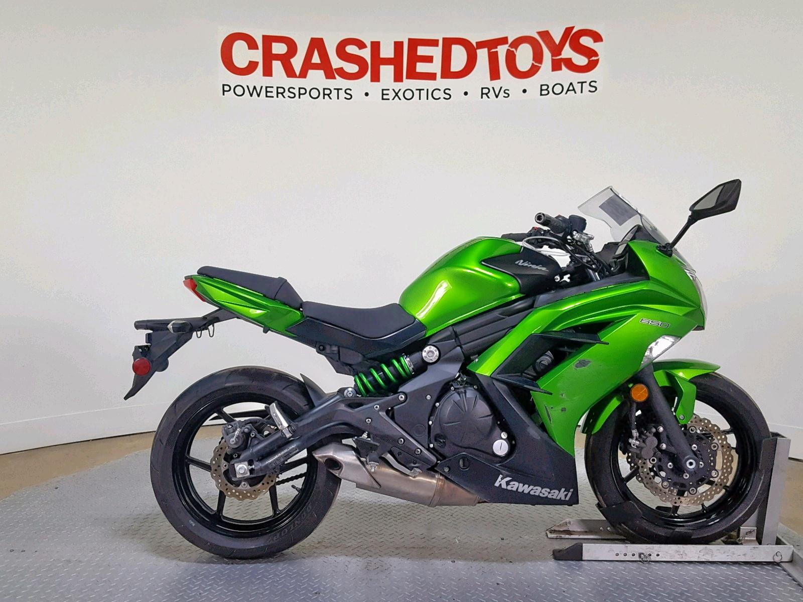 Salvage 2015 Kawasaki EX650 E for sale