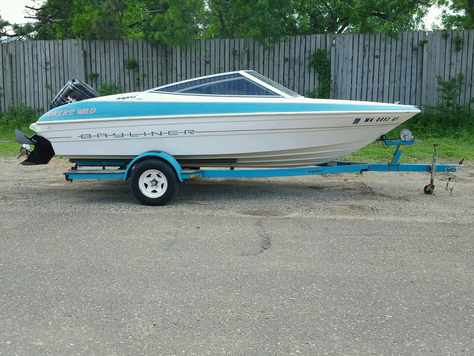 Salvage 1993 Bayliner BOAT for sale