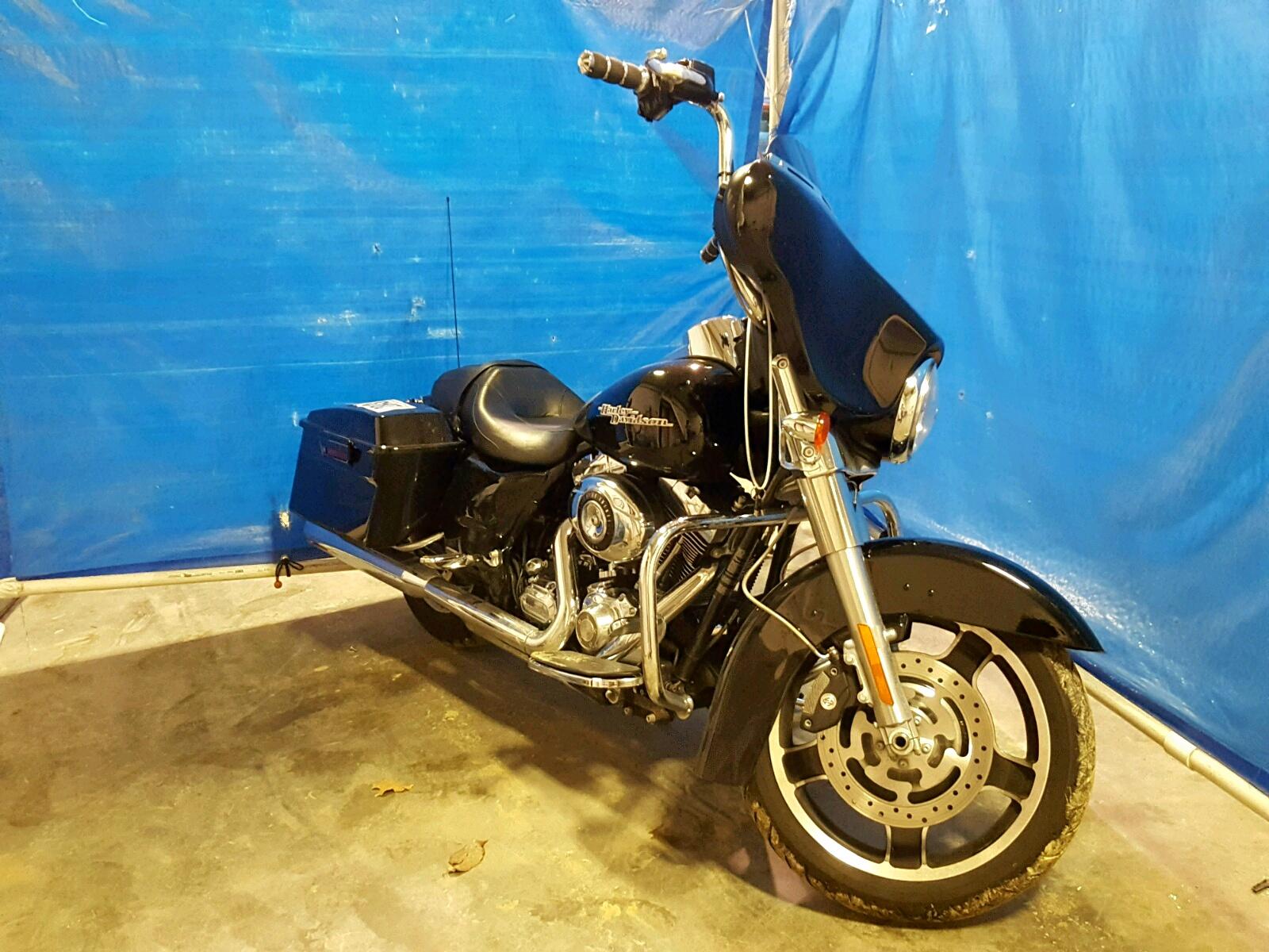 Salvage 2011 Harley-Davidson FLHX for sale