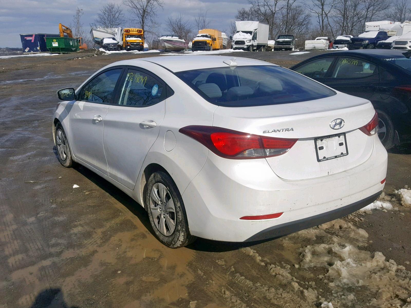 5NPDH4AE1GH704748 - 2016 Hyundai Elantra Se 1.8L [Angle] View