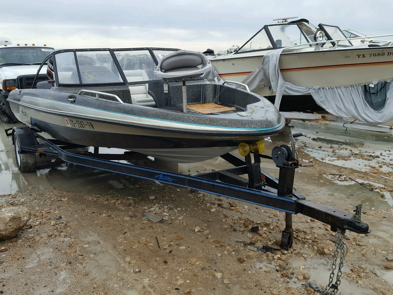Salvage 1992 Astro BOAT for sale