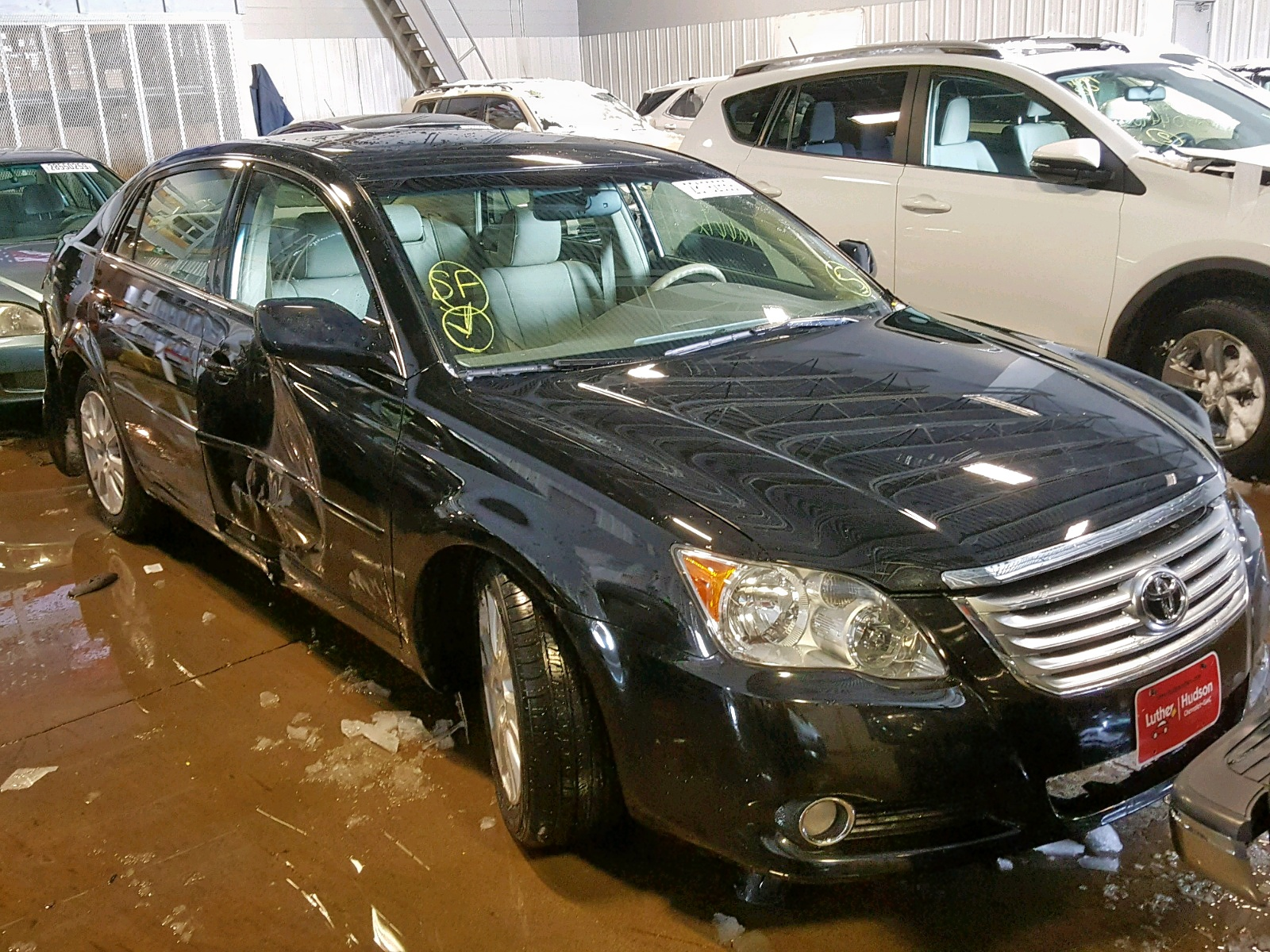 Salvage 2010 Toyota AVALON XL for sale