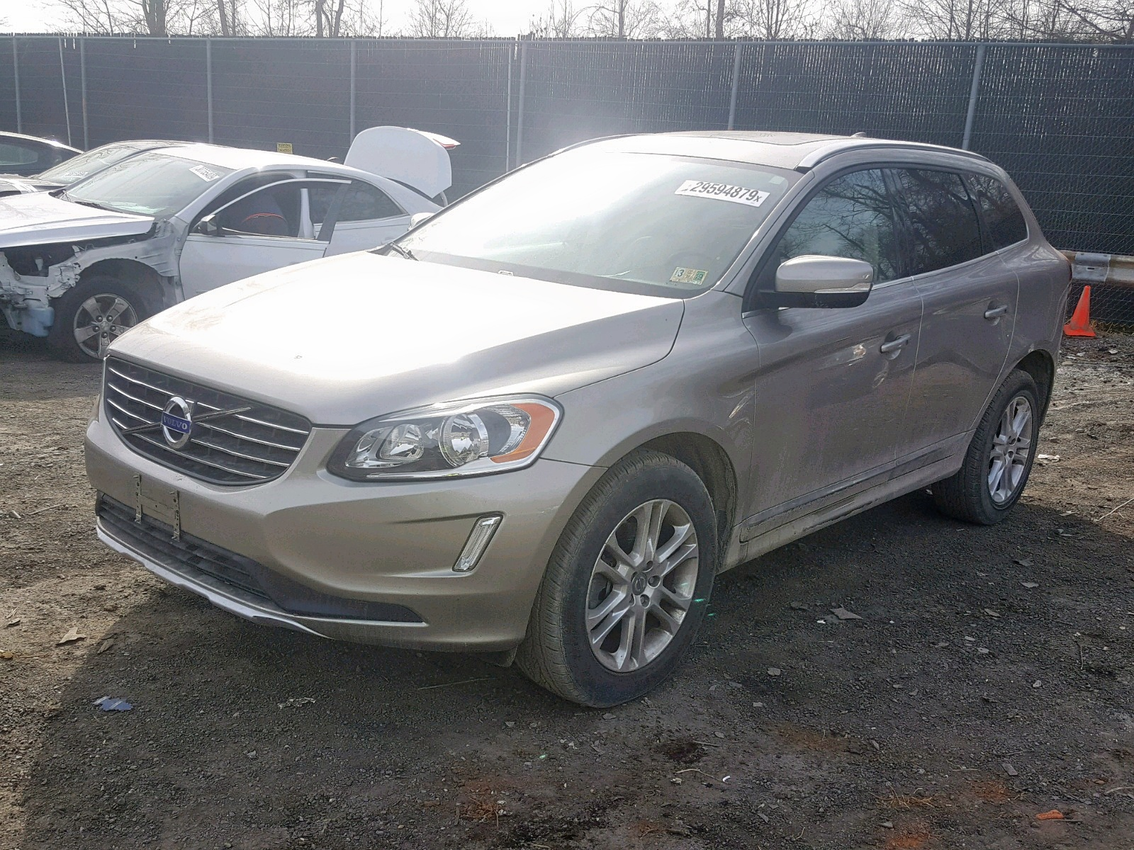 YV440MDB6F2578442 - 2015 Volvo Xc60 T5 2.0L Right View