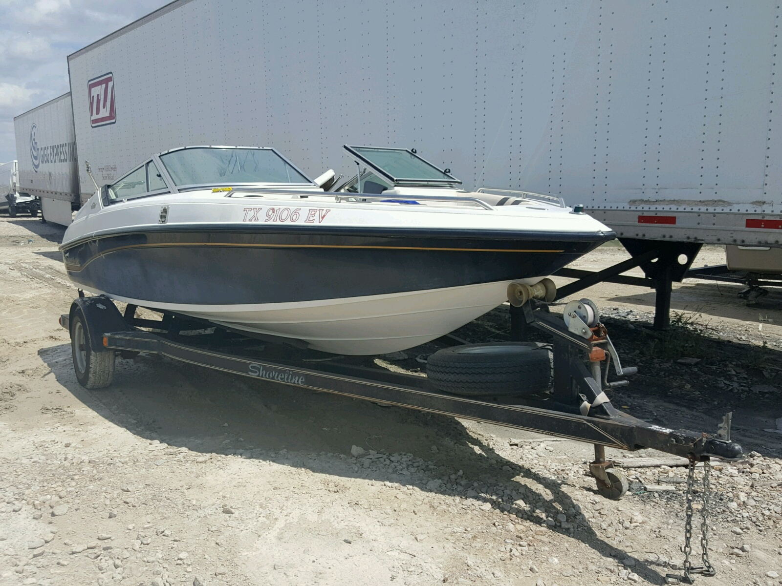Salvage 1993 Crownline BOAT for sale