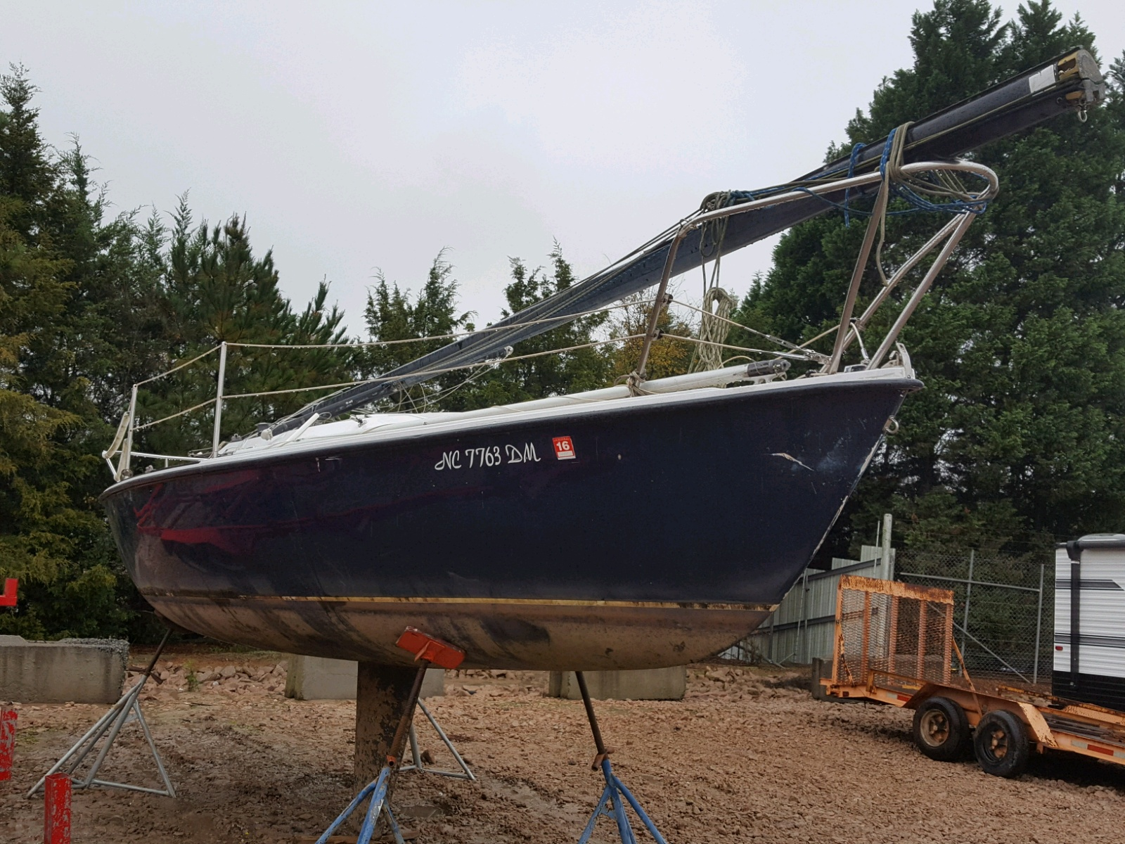 Salvage 1982 Arrow MARINE LOT for sale
