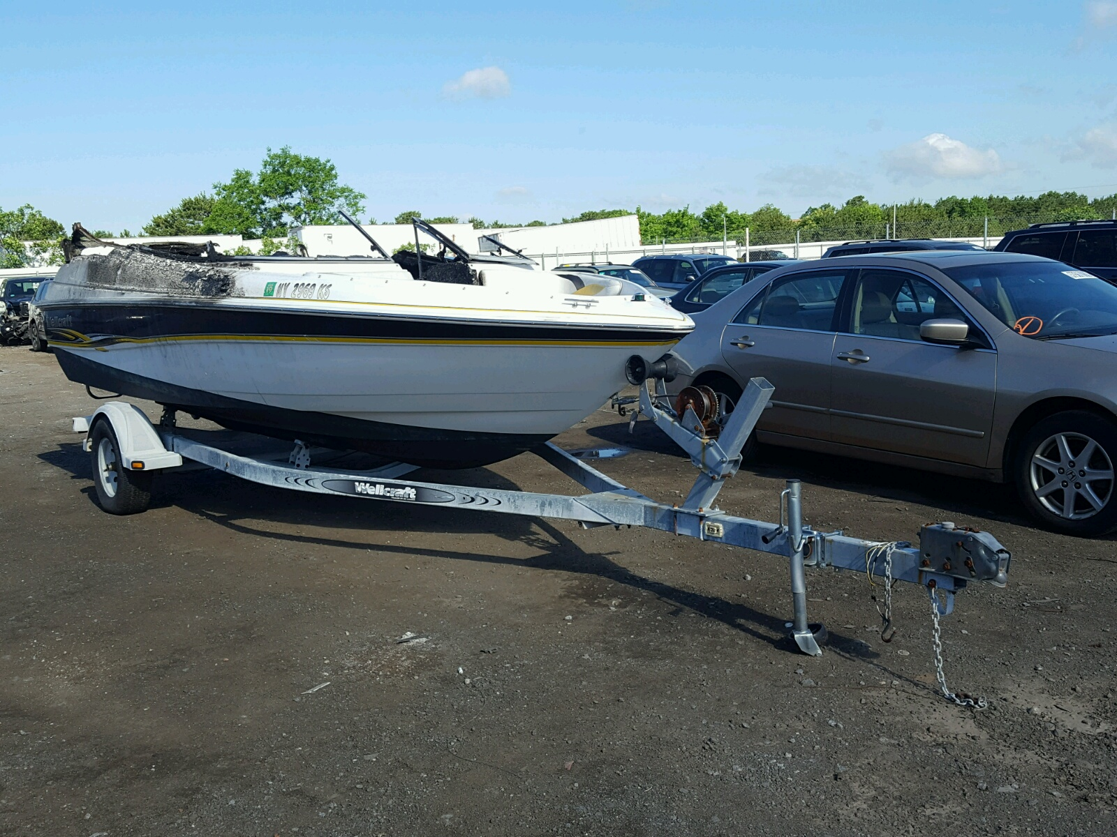 Salvage 2001 Wells Cargo BOAT for sale