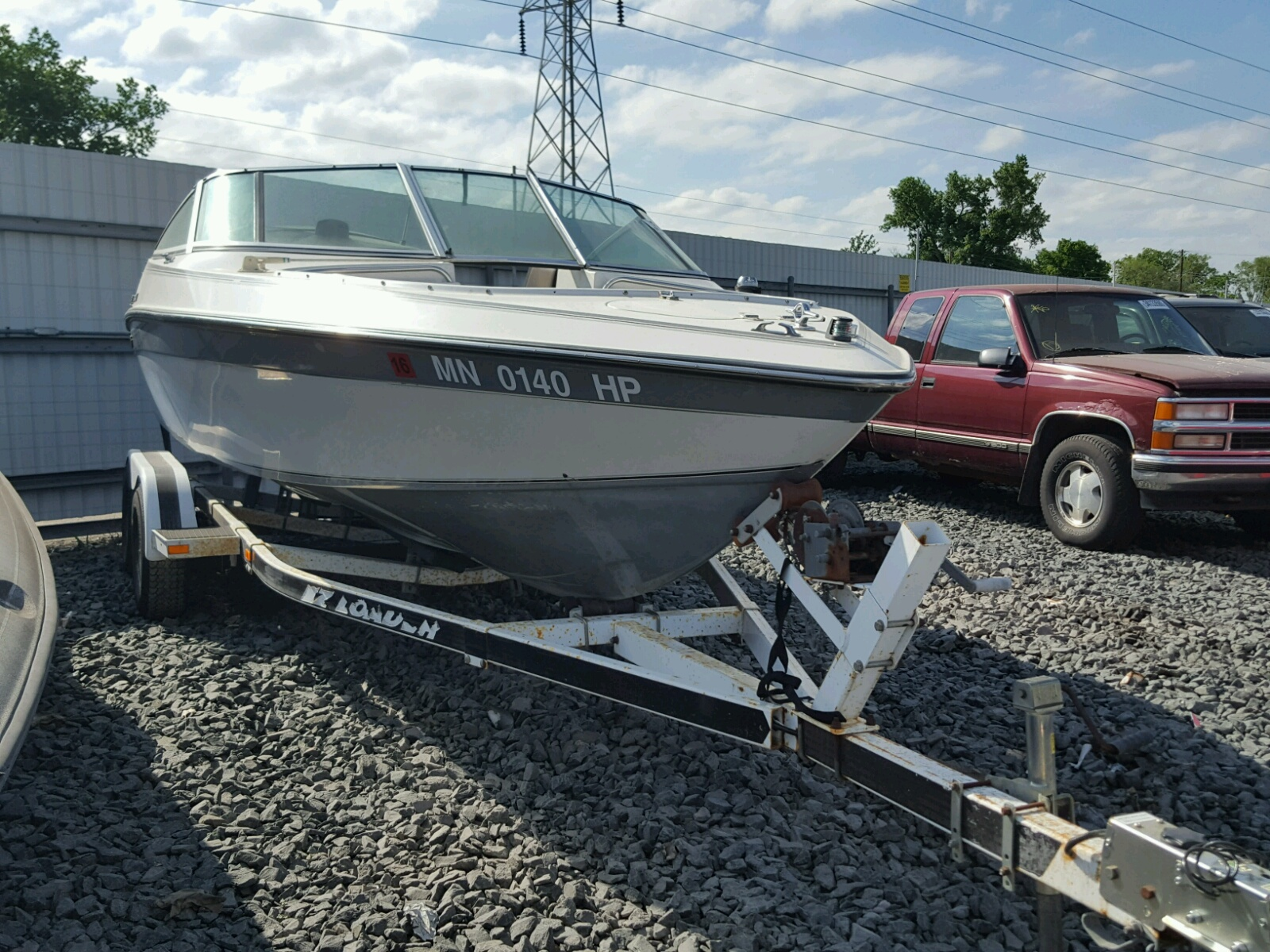 Salvage 1989 Chris Craft BOAT for sale