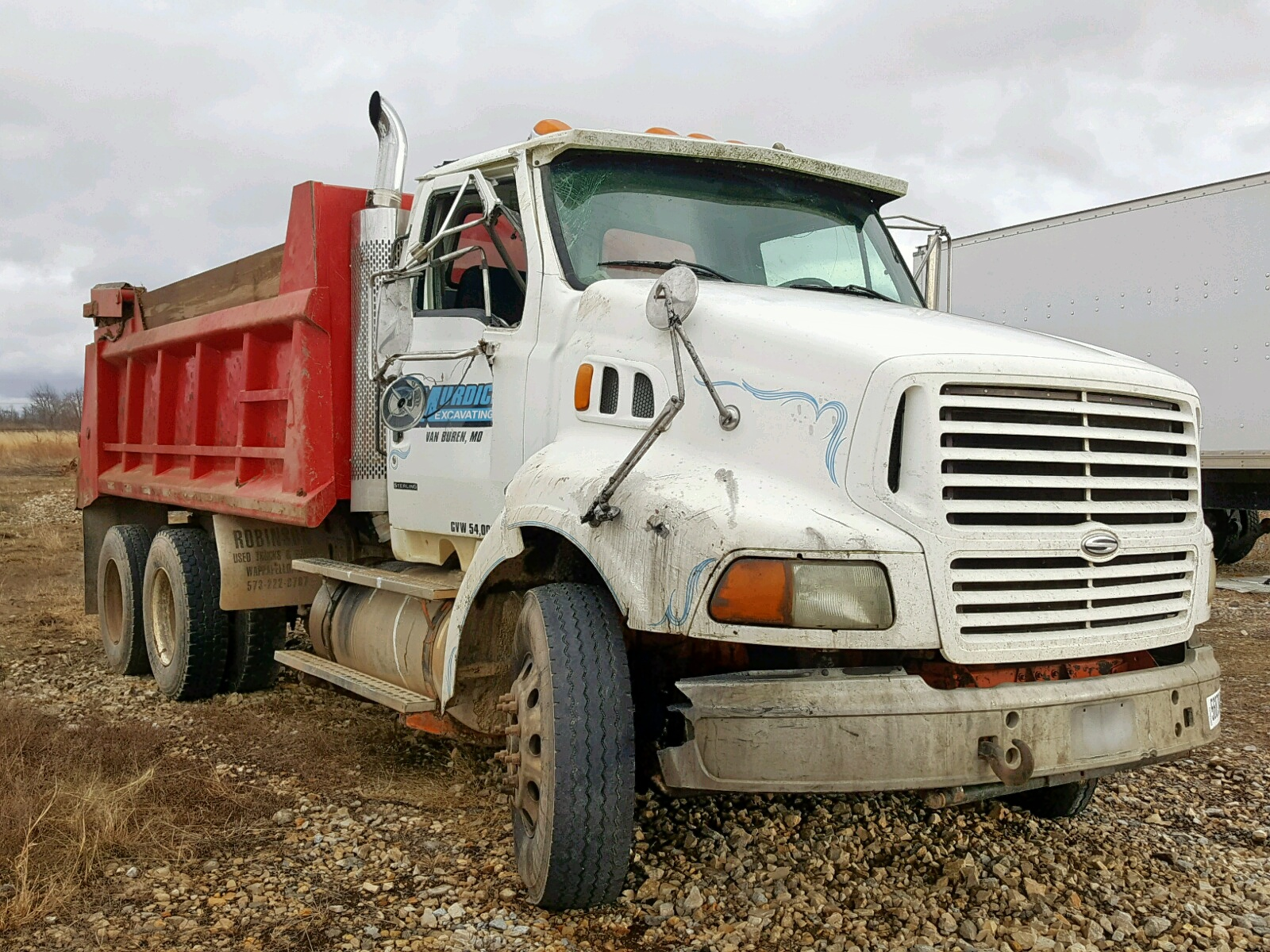 Salvage 1999 Sterling A 9513 for sale