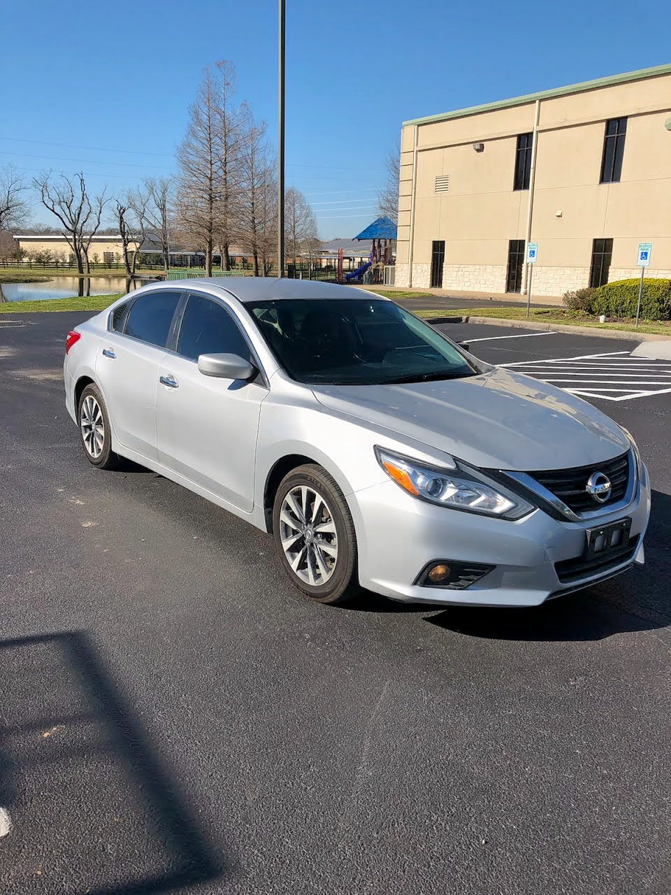 2016 Nissan Altima 2.5 2.5L Left View