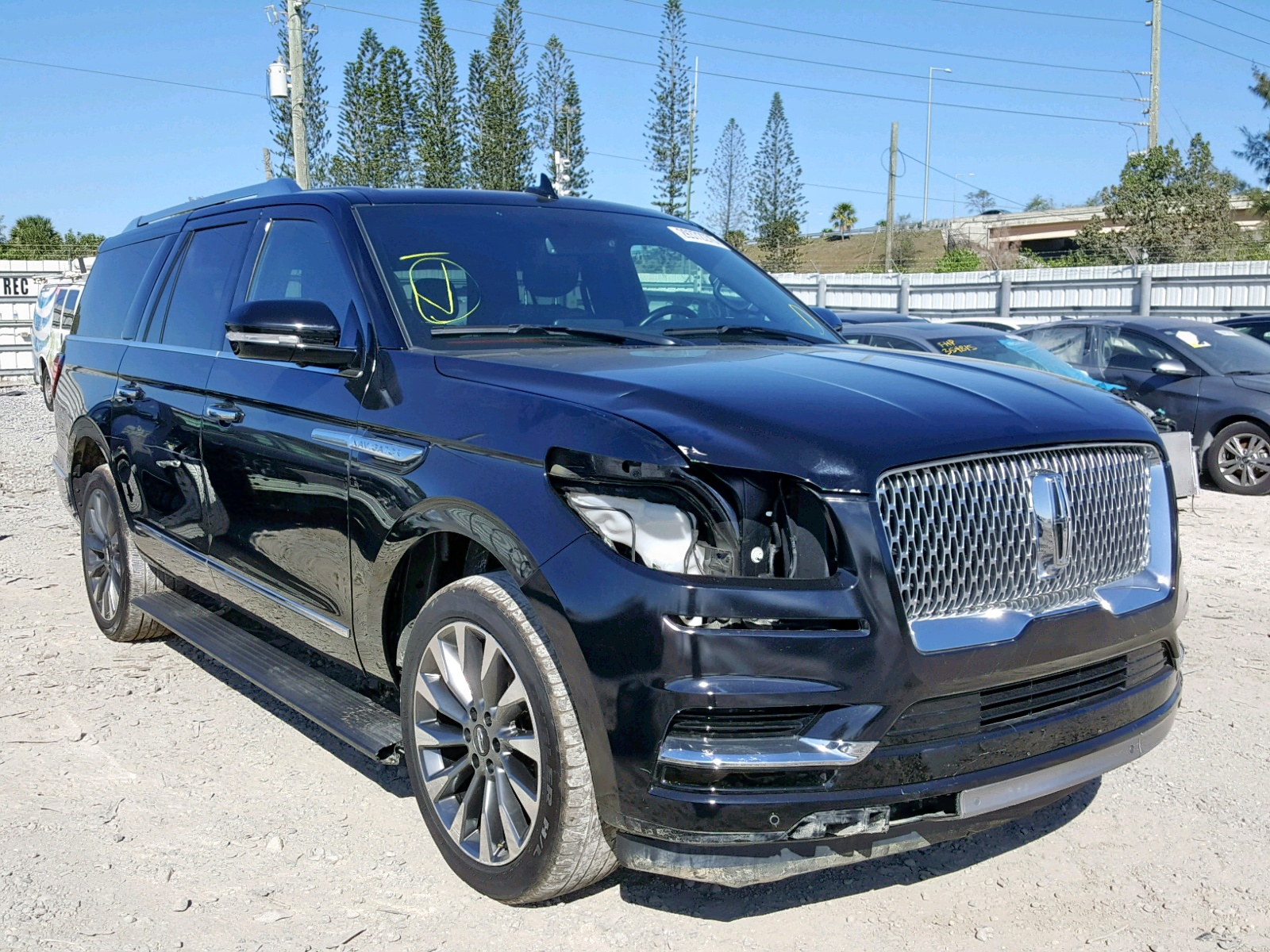 click here to view 2018 LINCOLN NAVIGATOR at IBIDSAFELY