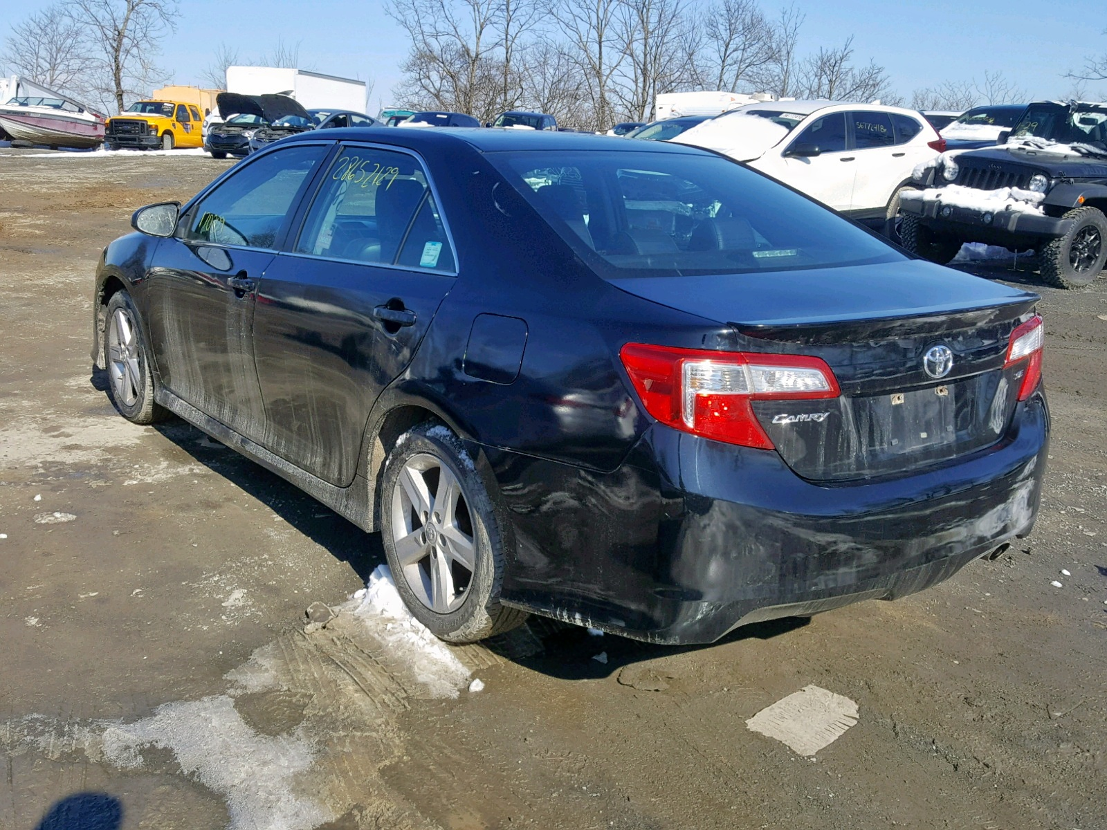 2014 Toyota Camry L 2.5L [Angle] View