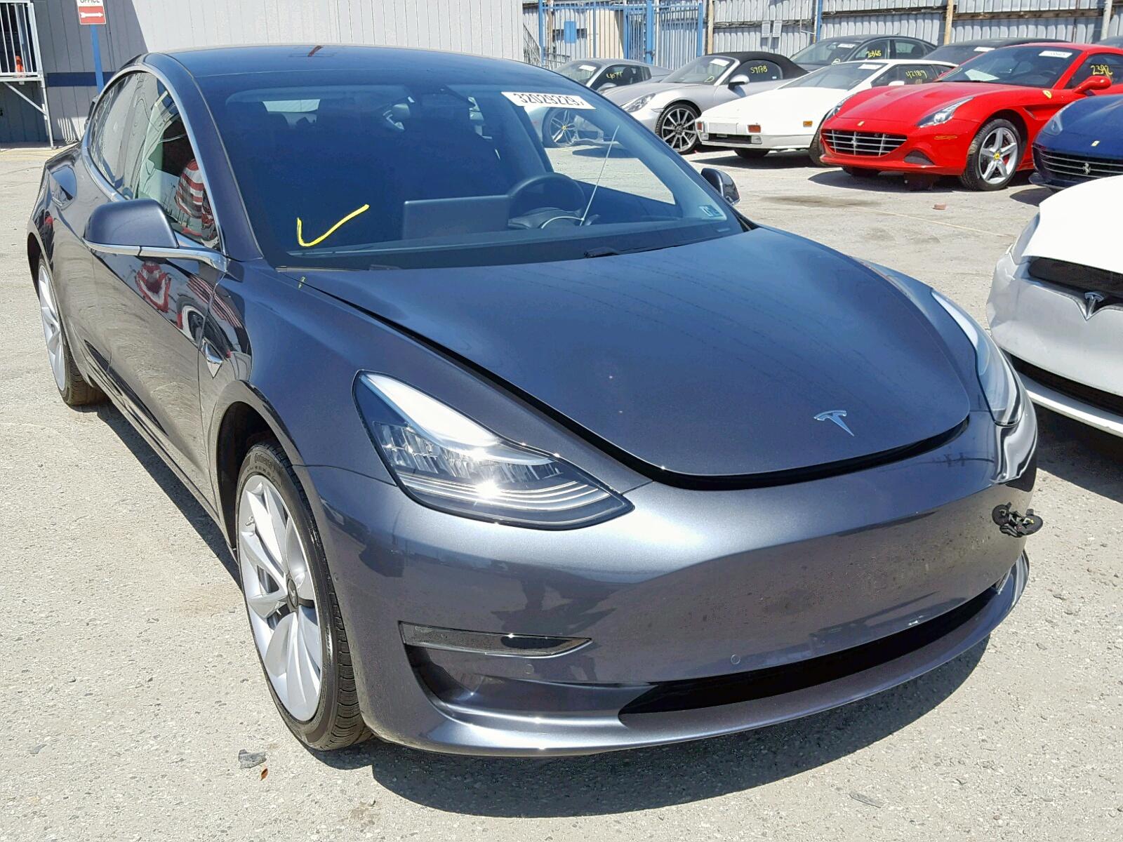 2018 Tesla Model 3 in CA - Los Angeles (5YJ3E1EA7JF012008 ...