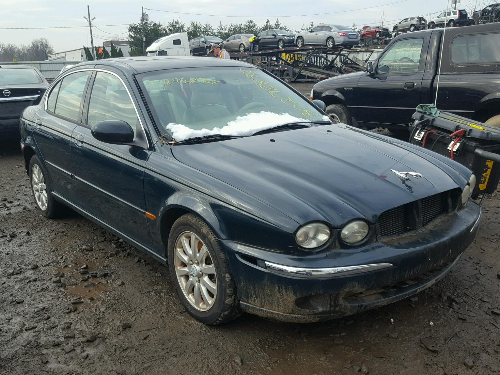 Salvage 2002 Jaguar X-TYPE 2.5 for sale