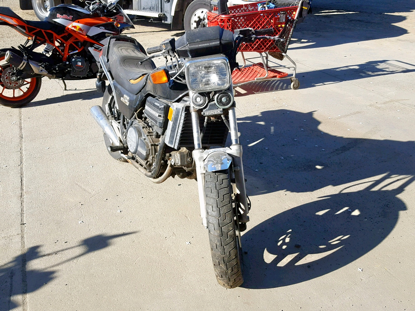 Salvage 1982 Honda VF750 S for sale