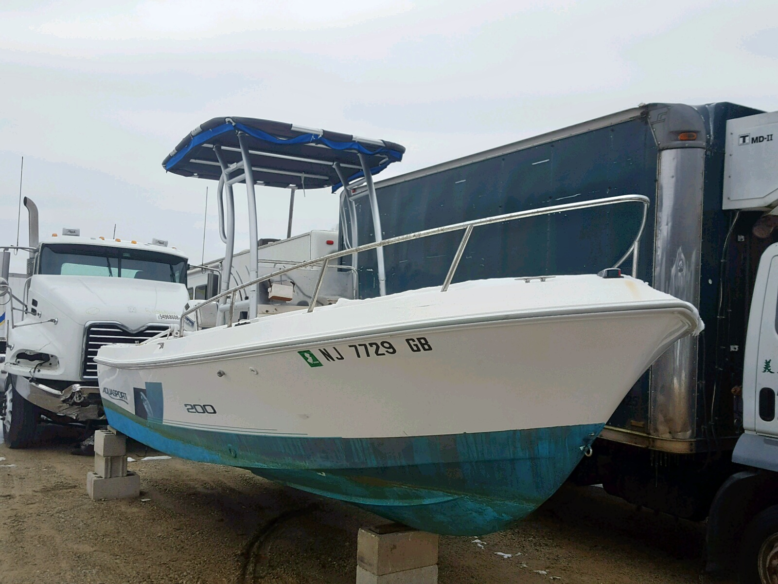 Salvage 1996 Aquasport BOAT for sale